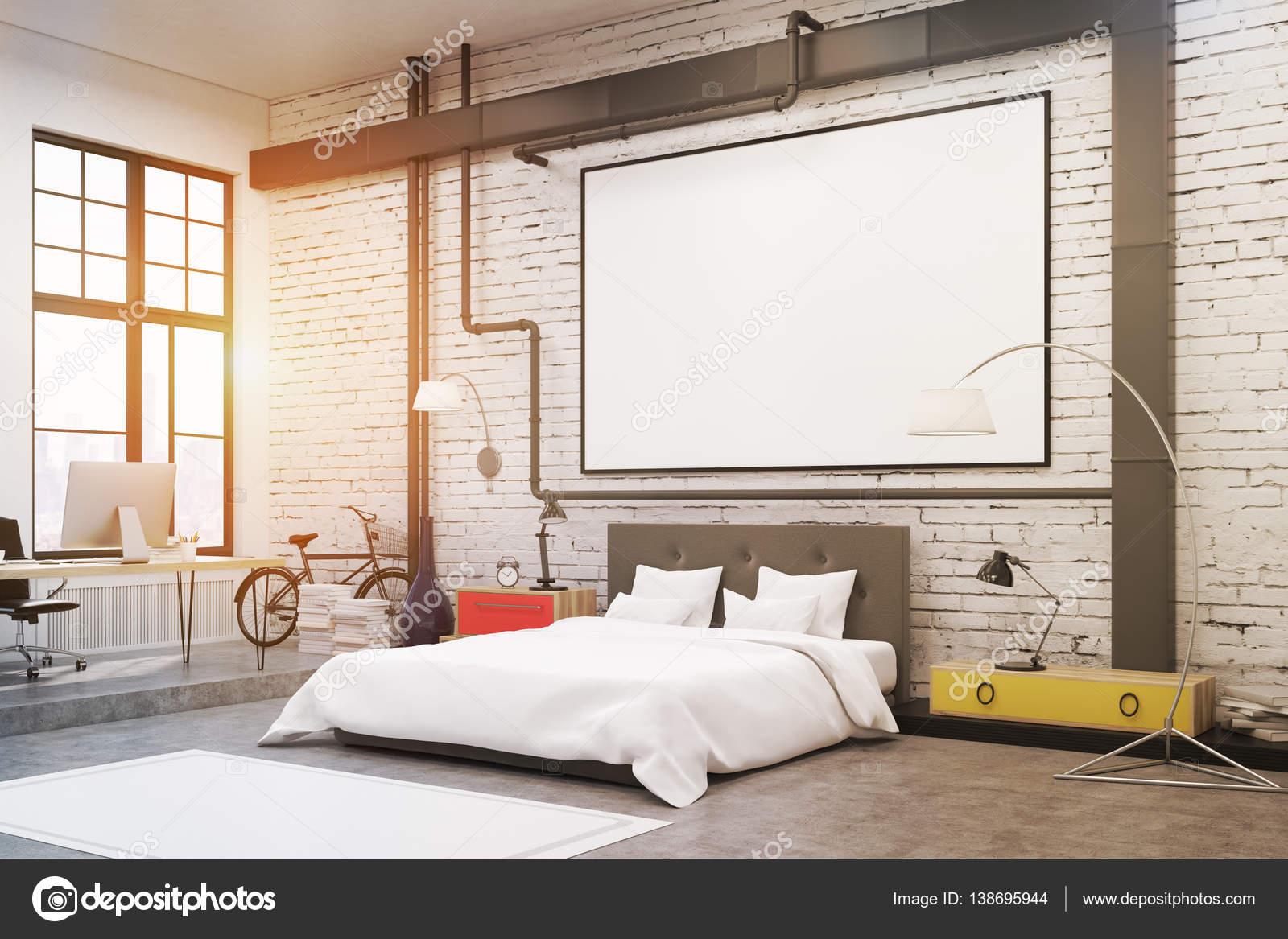 Slaapkamer: witte muren, poster, zijaanzicht — Stockfoto ...