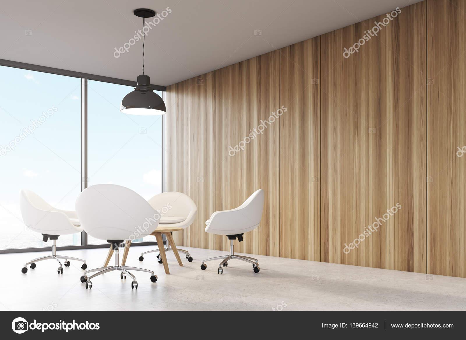 Kamer met houten wanden groot panoramisch raam een zwart plafond lamp hangend boven een tafel - Scheiden een kamer door een gordijn ...
