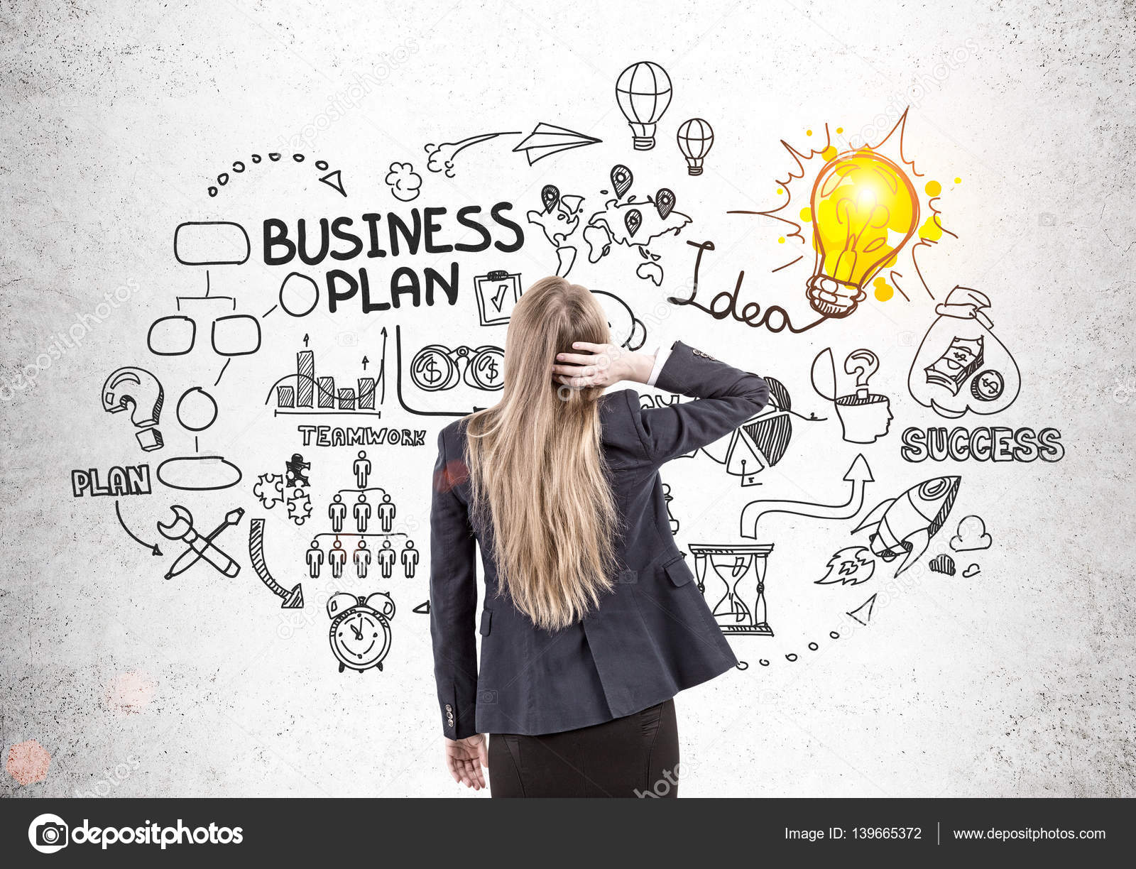 Woman brainstorming business ideas — Stock Photo