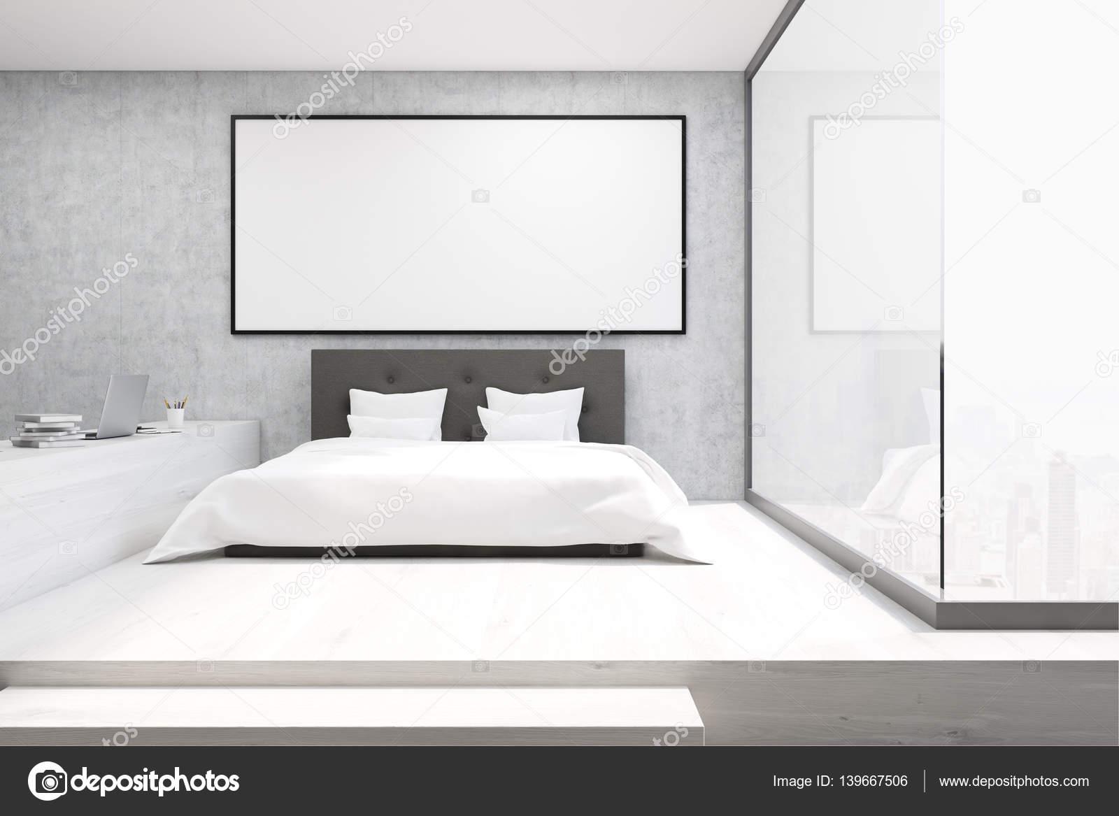 Kantoor aan huis met een glazen wand in een slaapkamer — Stockfoto ...