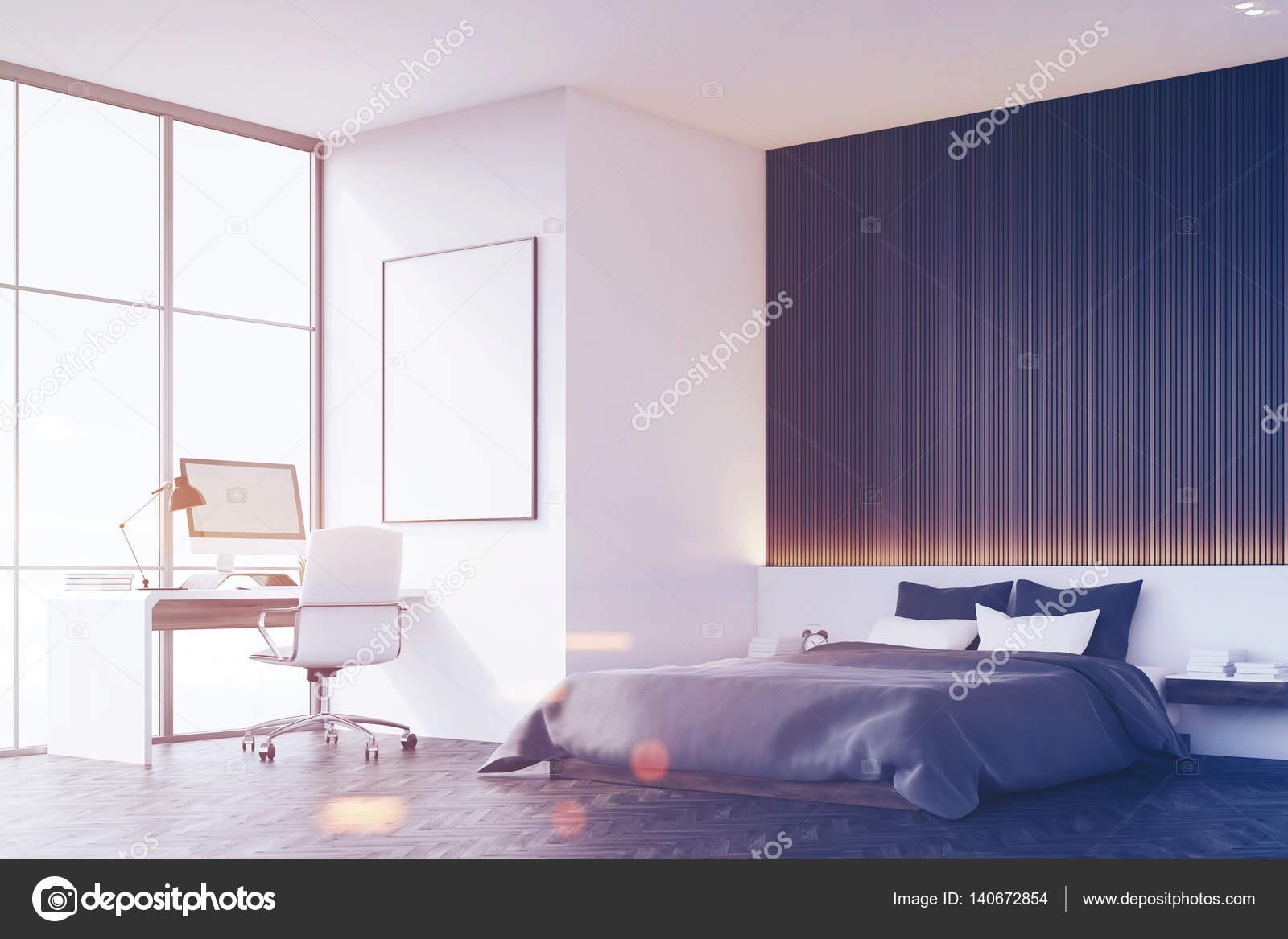 Schlafzimmer Mit Holzwand, Tisch, Seitenansicht, Getönt U2014 Stockfoto