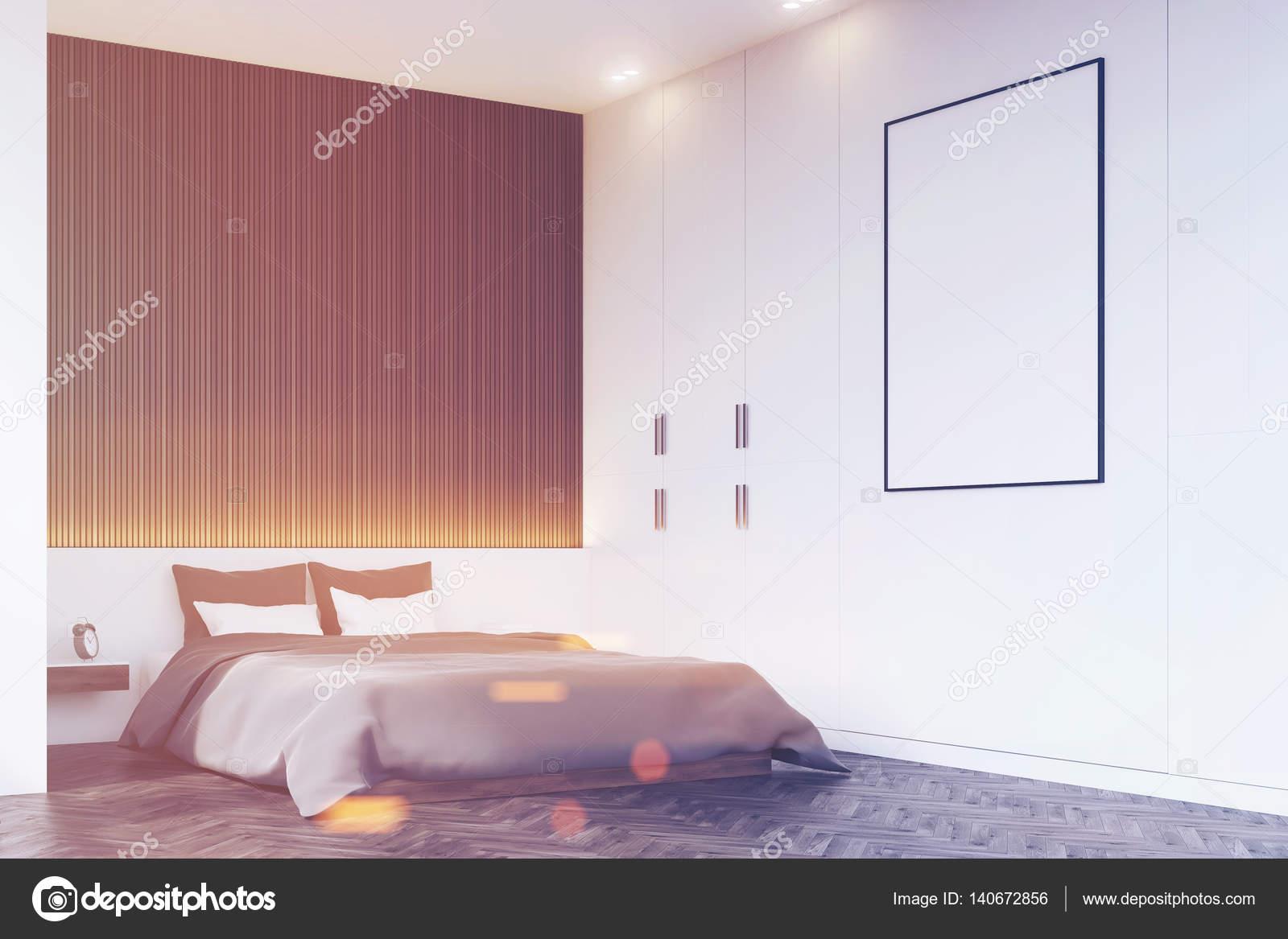 coin chambre avec mur en bois, aux tons — photographie