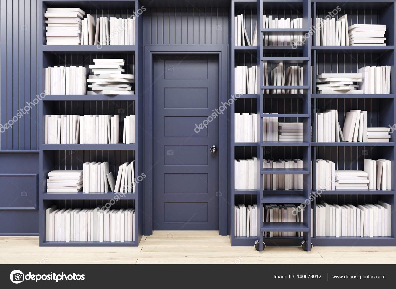 Libreria di casa con una scala, nera — Foto Stock © denisismagilov ...