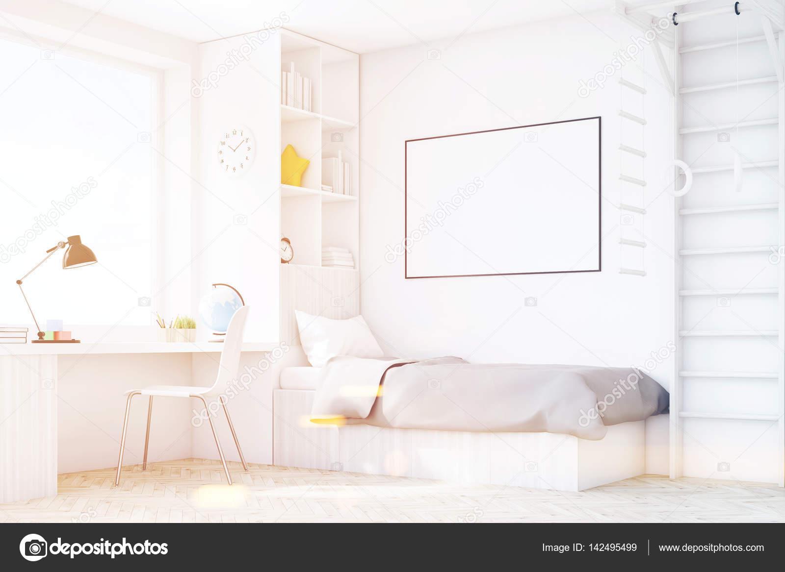 Tonos de la habitación de los niños con una cama y una mesa, la ...
