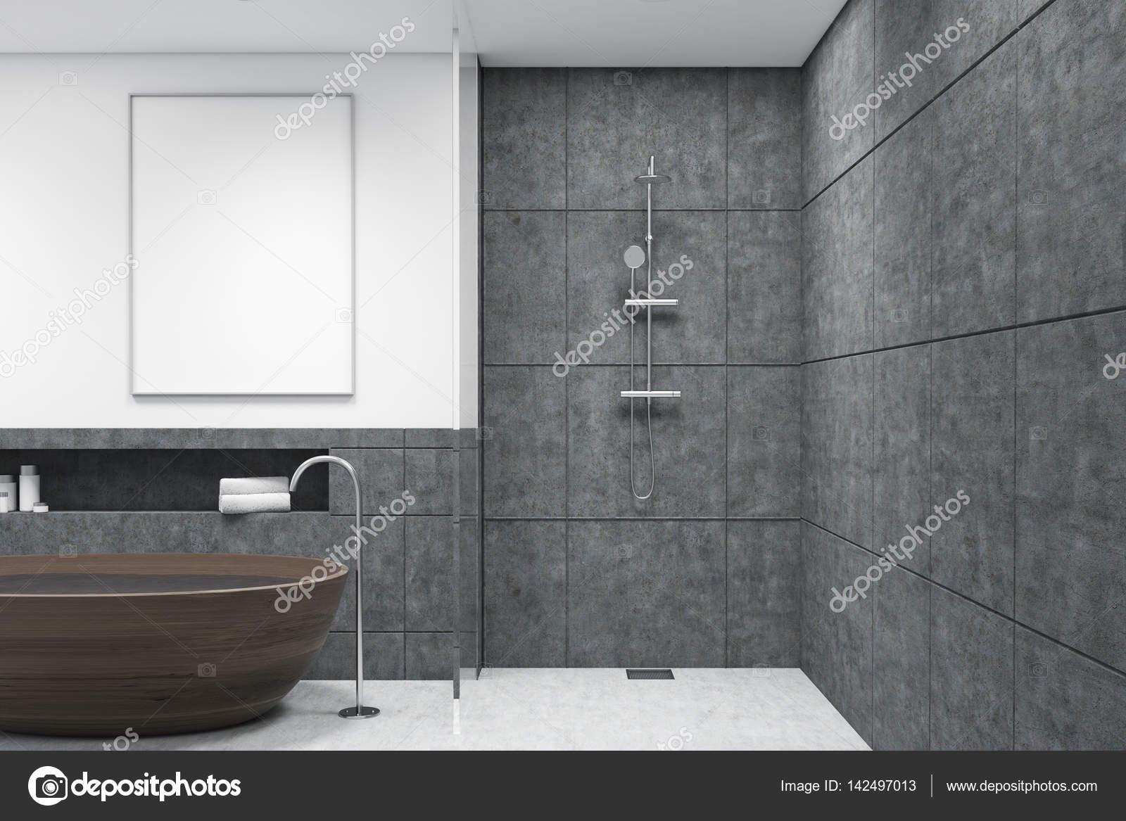 Badkamer met houten badkuip, verticale poster, donker — Stockfoto ...