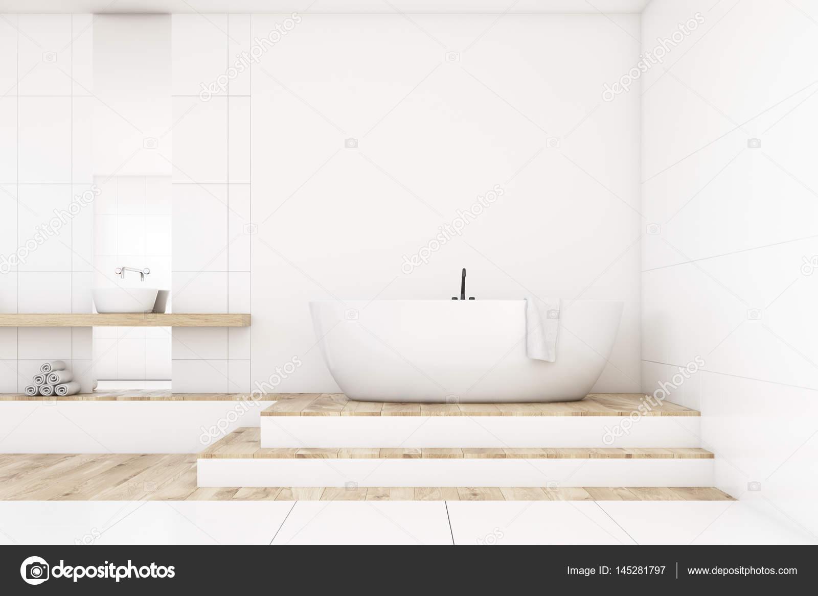 Badkamer met twee spiegels, wit, voorzijde — Stockfoto ...