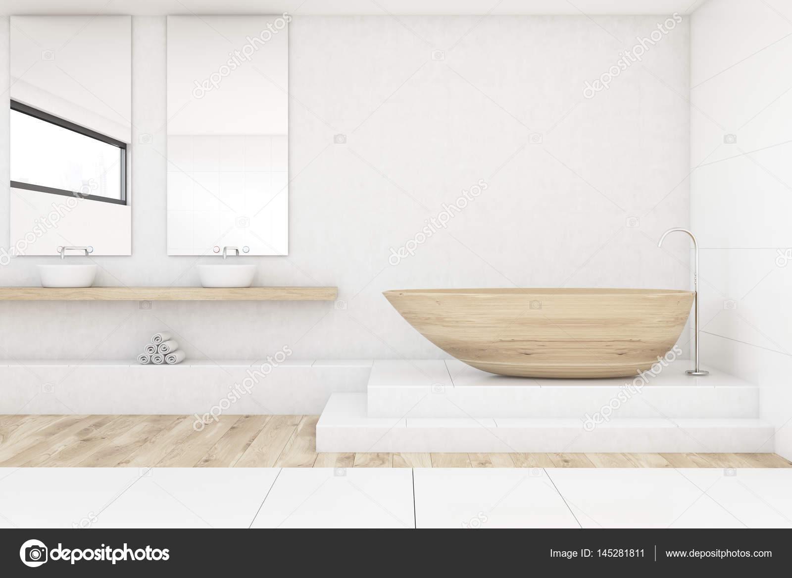 Badkamer met twee spiegels, hout en wit — Stockfoto © denisismagilov ...