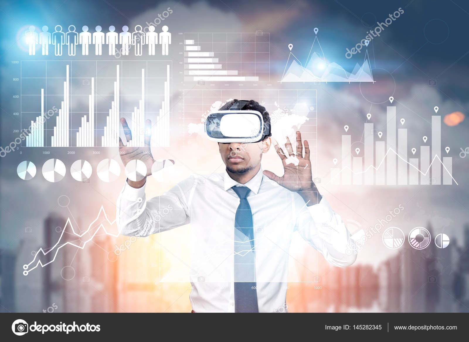 Afrikanischer Mann in Vr-Brille in einer Stadt mit Grafiken ...