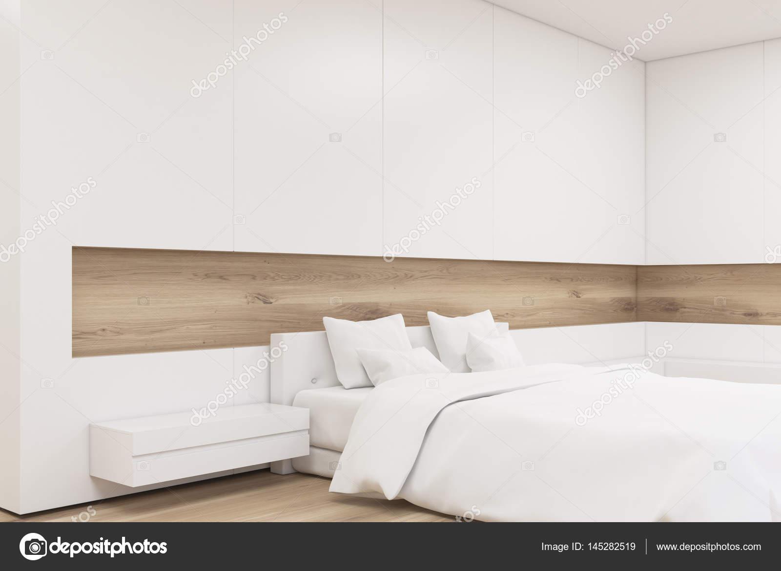 Camera Da Letto Legno Chiaro : Angolo di una camera da letto in legno chiaro u foto stock
