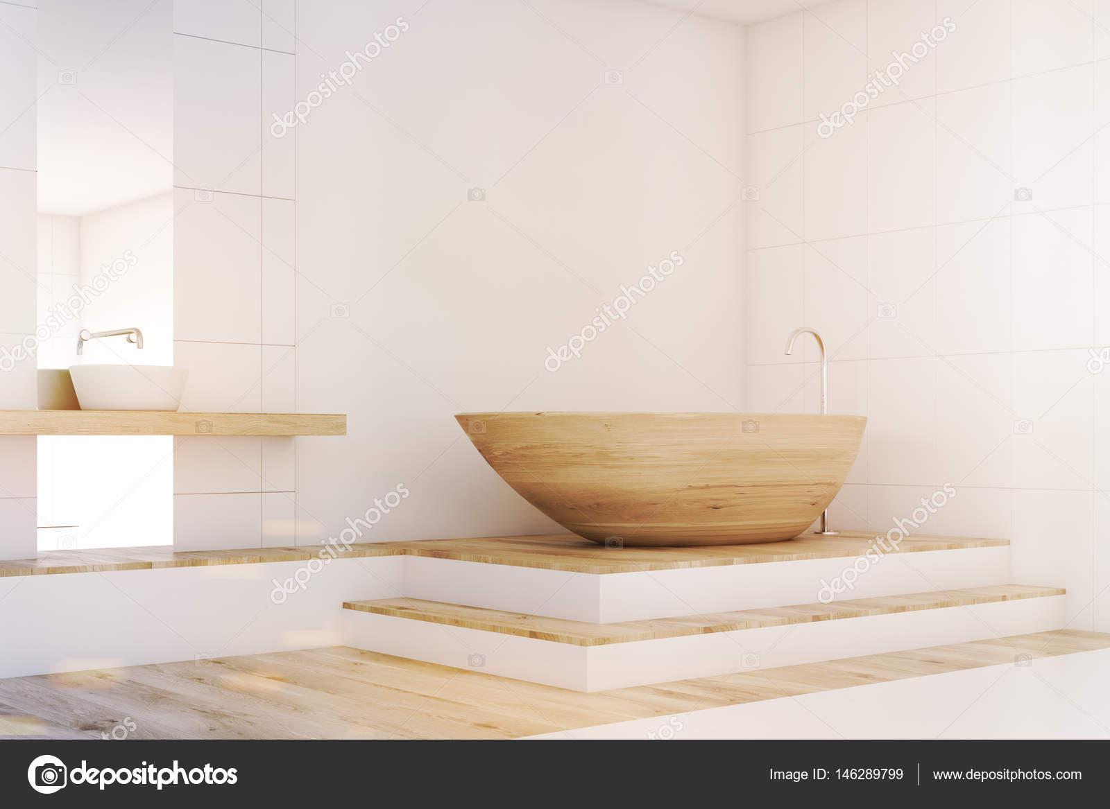 Vasca Da Bagno Non Scarica : Angolo bagno con uno specchio legno tonica u foto stock