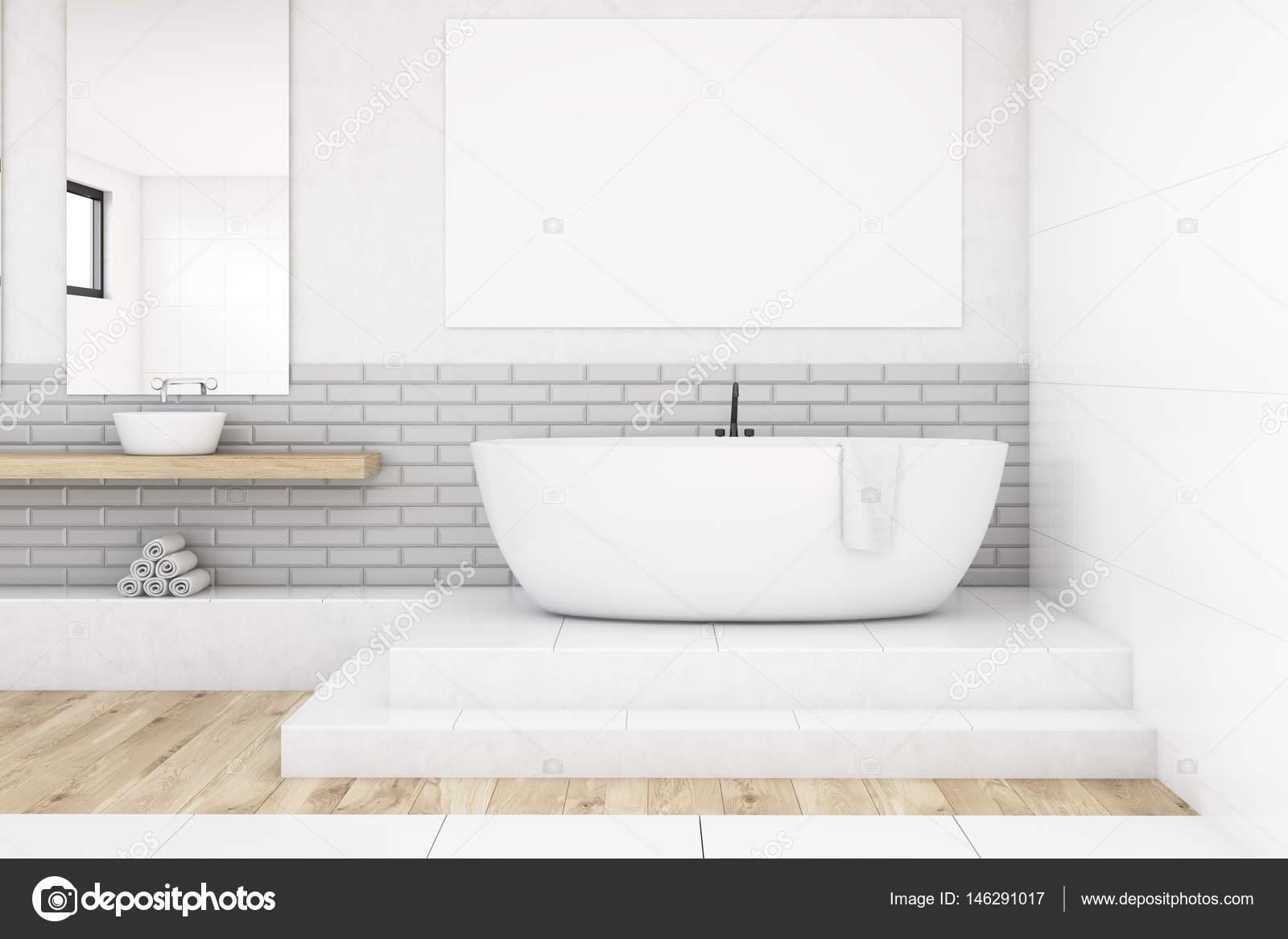 Cuarto de baño con dos espejos y cartel, blanco — Foto de stock ...