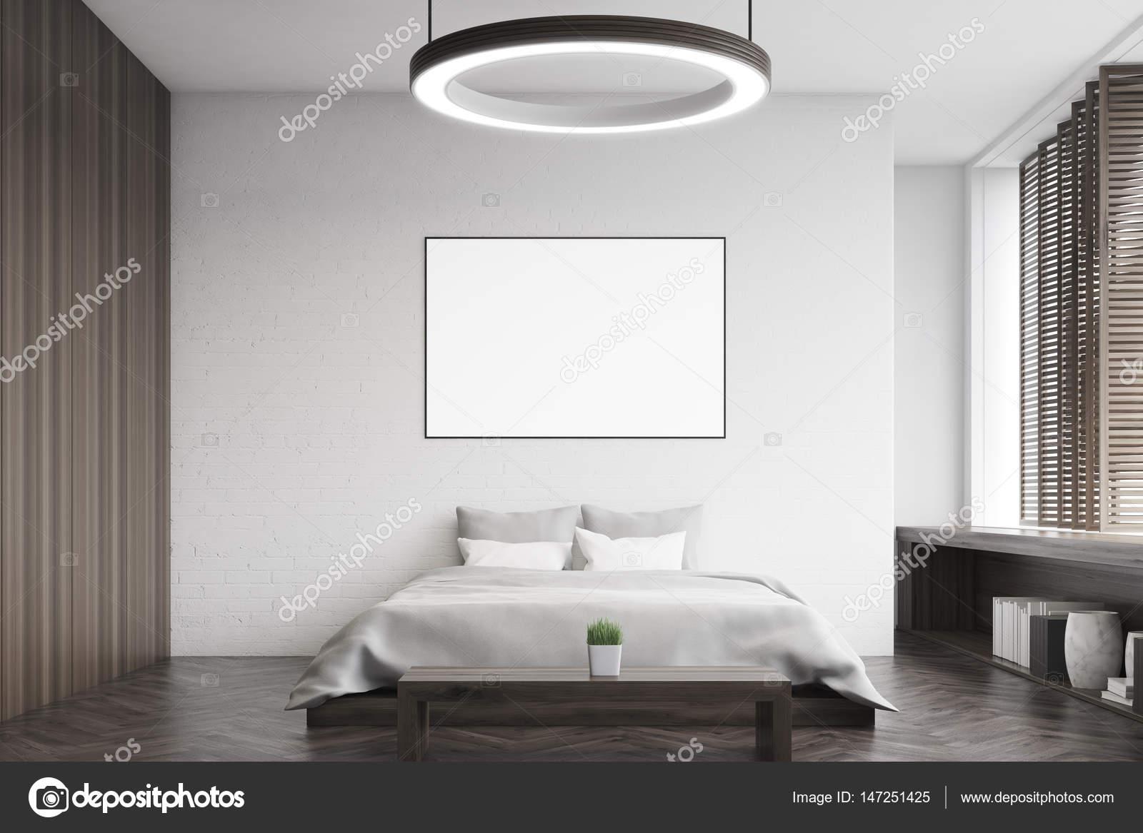 Camera da letto con tende da sole, anteriore — Foto Stock ...
