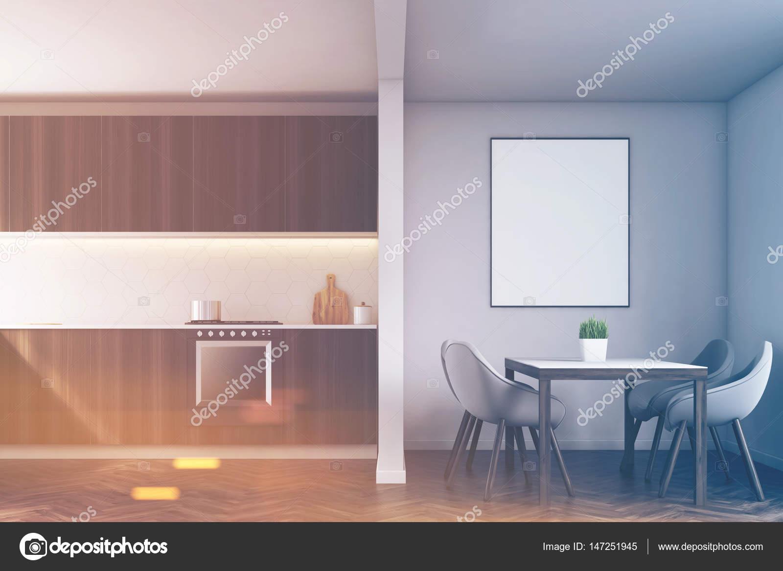 Bancone della cucina, tavolo e poster, tonica — Foto Stock ...
