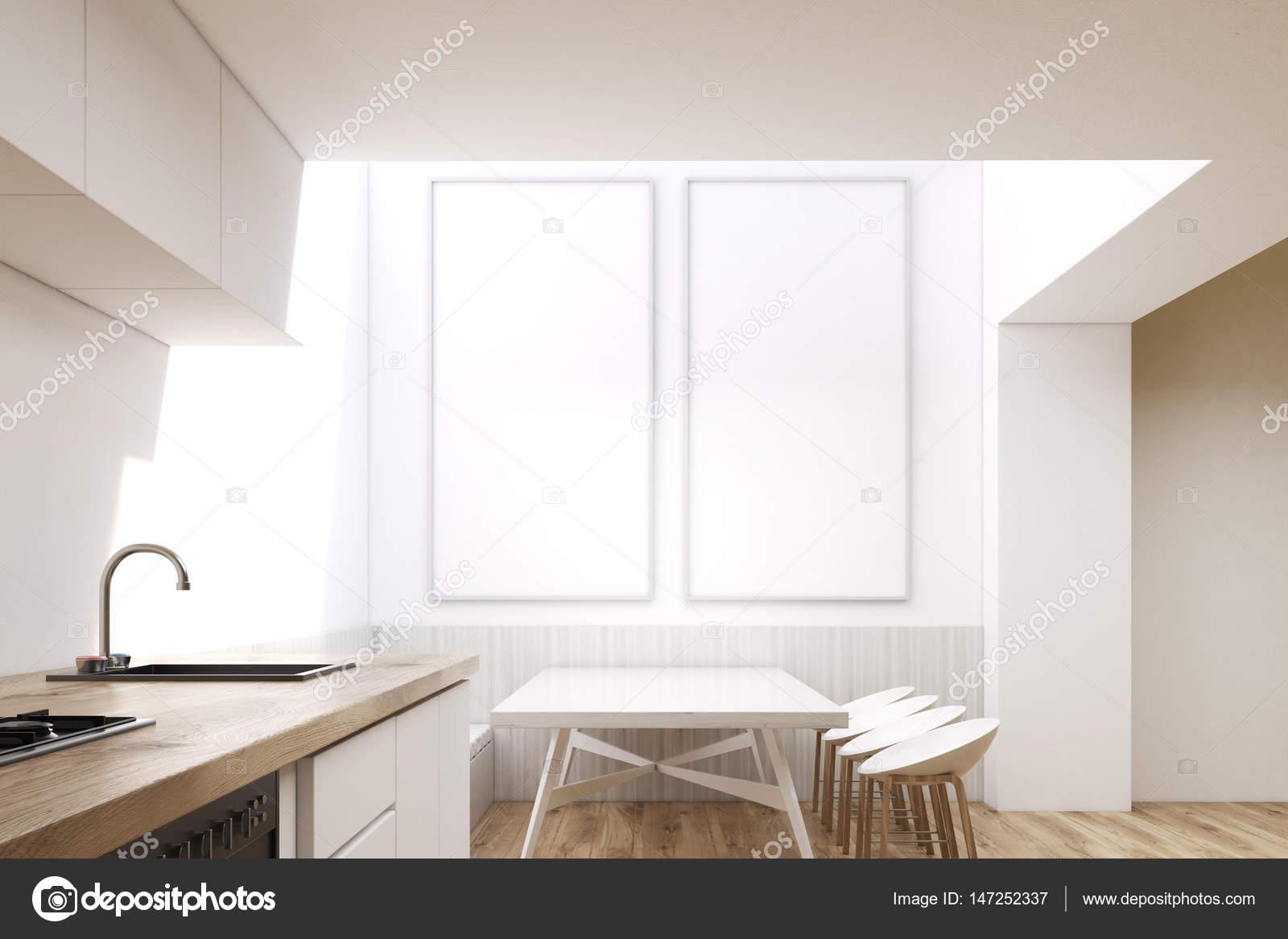 Eetkamer Met Vierkante Tafel.Interieur Van De Eetkamer Met Vierkante Tafel Stockfoto