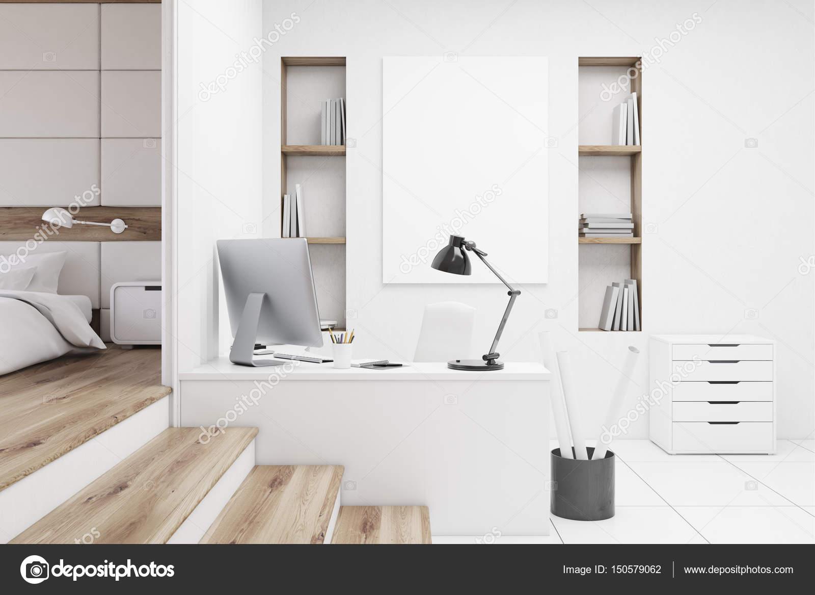 Table de bureau à la maison chambre à coucher u photographie