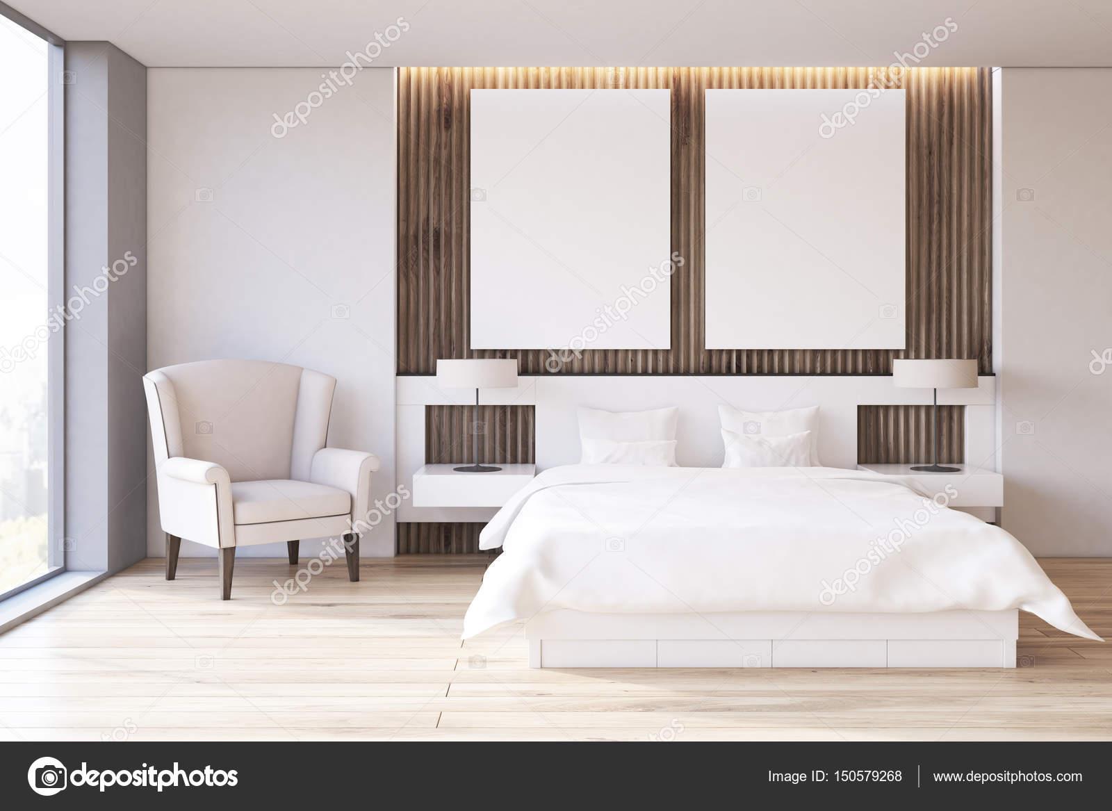 Zwei Poster Schlafzimmer Sessel Vorne Stockfoto C Denisismagilov