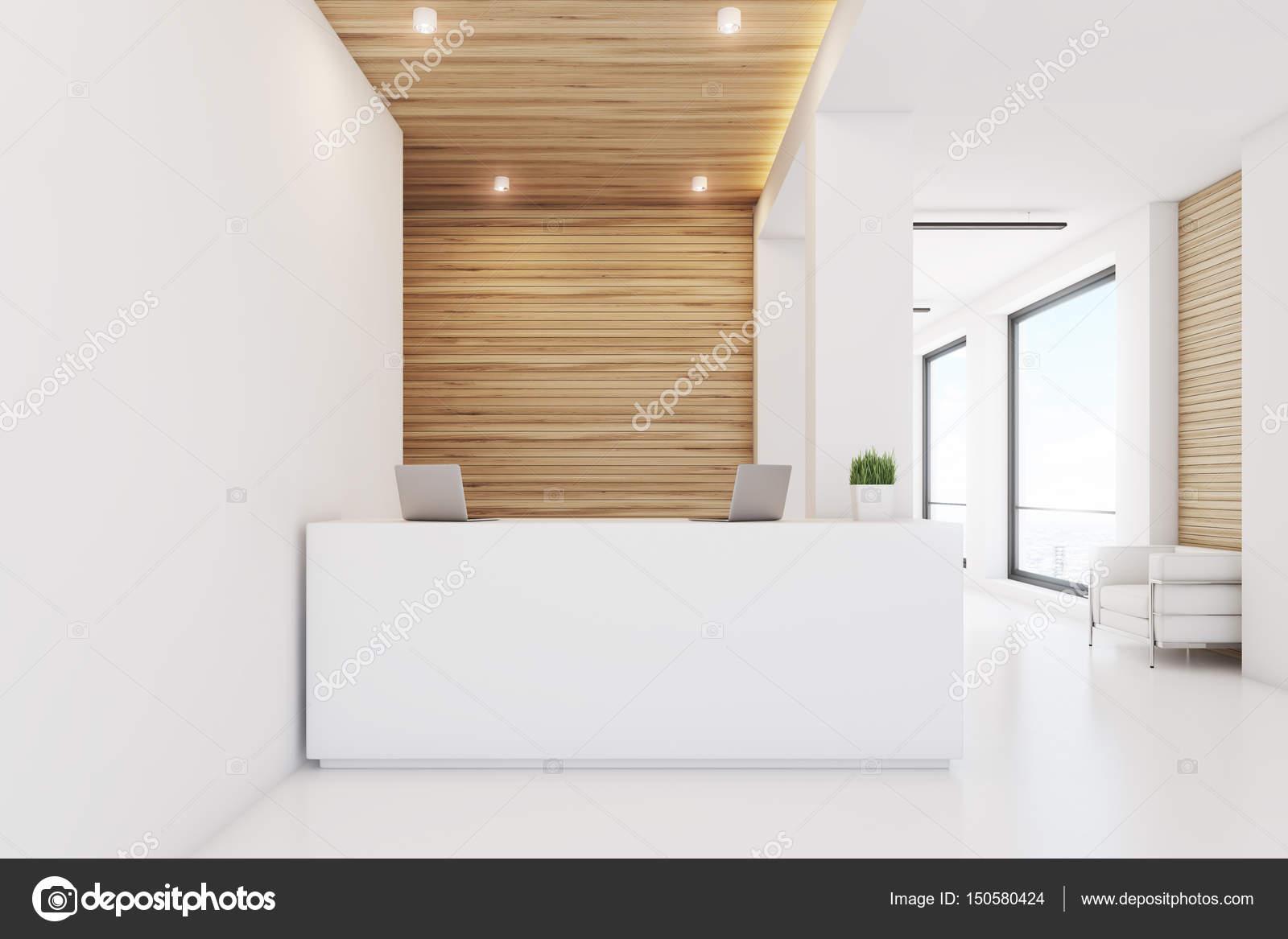 Licht Holz Rezeption, vorne — Stockfoto © denisismagilov #150580424