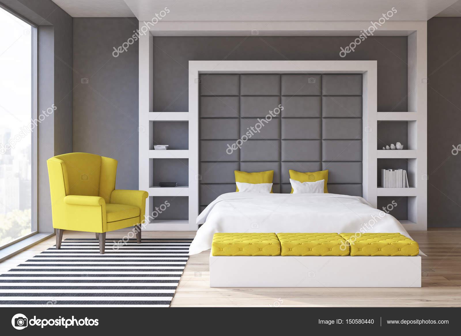 Grijze muur slaapkamer, voorzijde — Stockfoto © denisismagilov ...