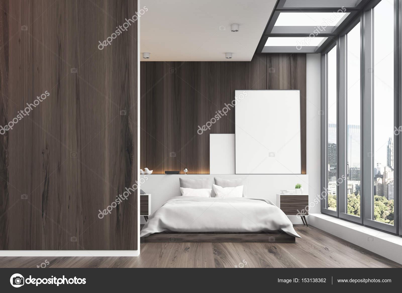 Vista frontal de un interior de dormitorio de madera con una ventana ...