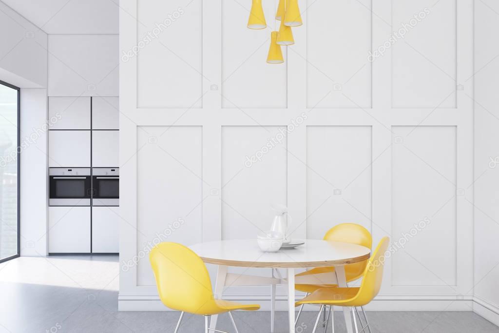 Cocina blanco con mesa redonda — Fotos de Stock © denisismagilov ...