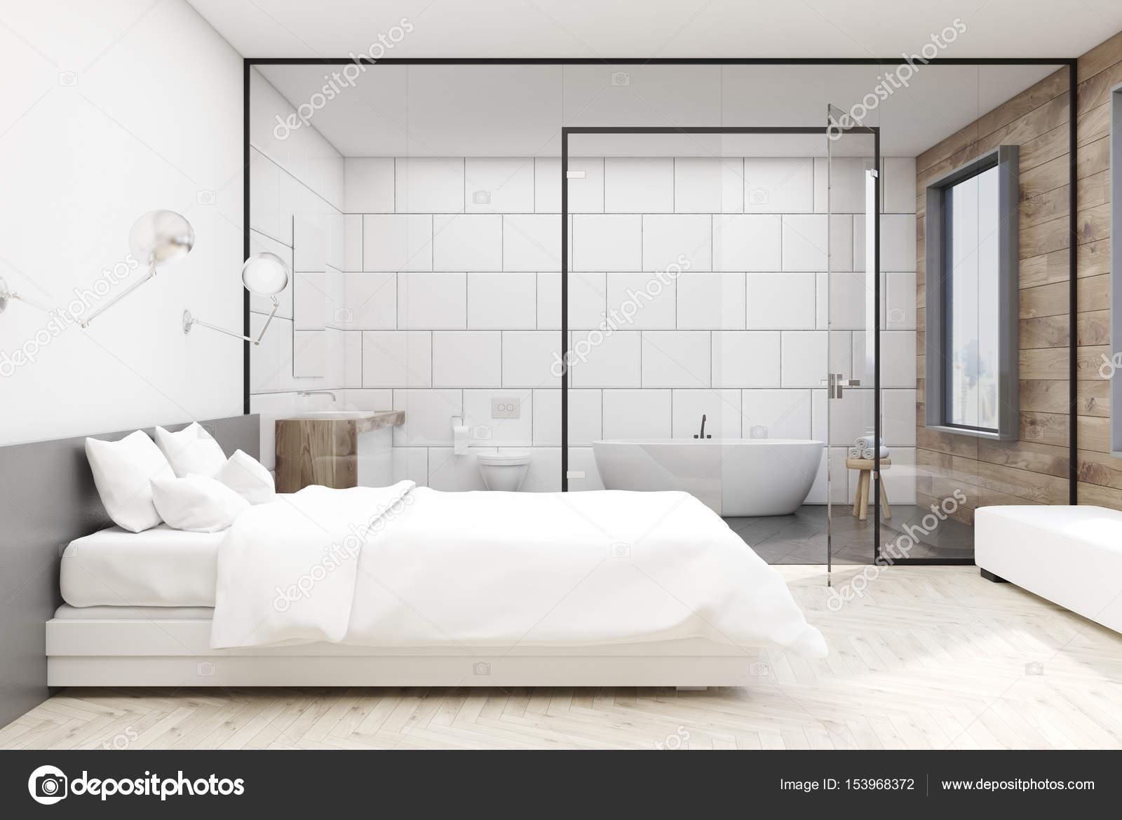 Bagno In Camera Con Vetrata : Camera da letto con bagno bianco anteriore u2014 foto stock
