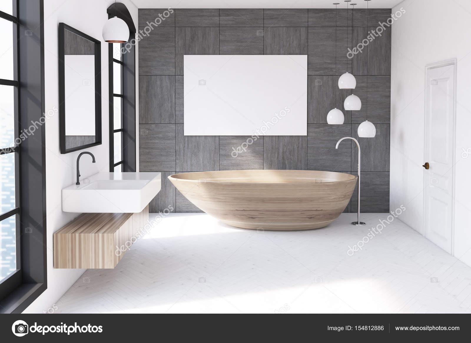 Parete Vasca Da Bagno : Parete vasca in legno grigio u foto stock denisismagilov