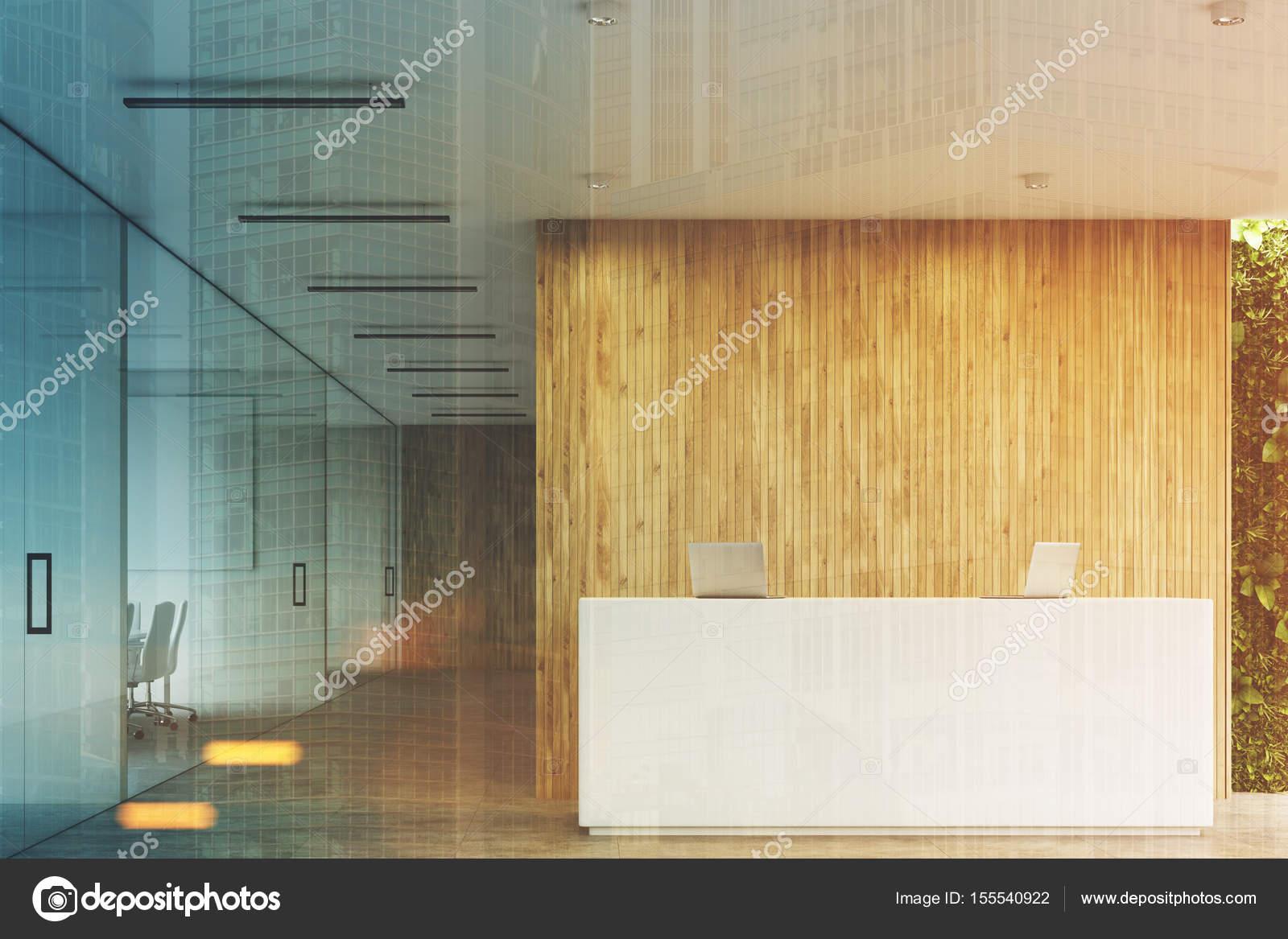 Reception Ufficio Legno : Bianca reception ufficio in legno fronte tonica u foto stock