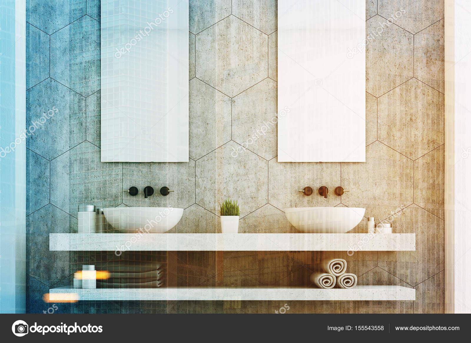 Szara łazienka Z Dwoma Umywalkami Z Bliska Zdjęcie