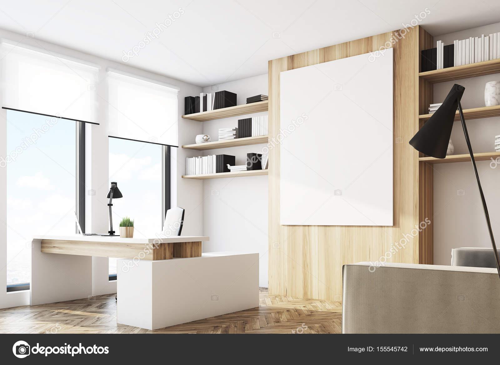 Bureau en bois clair côté u2014 photographie denisismagilov © #155545742