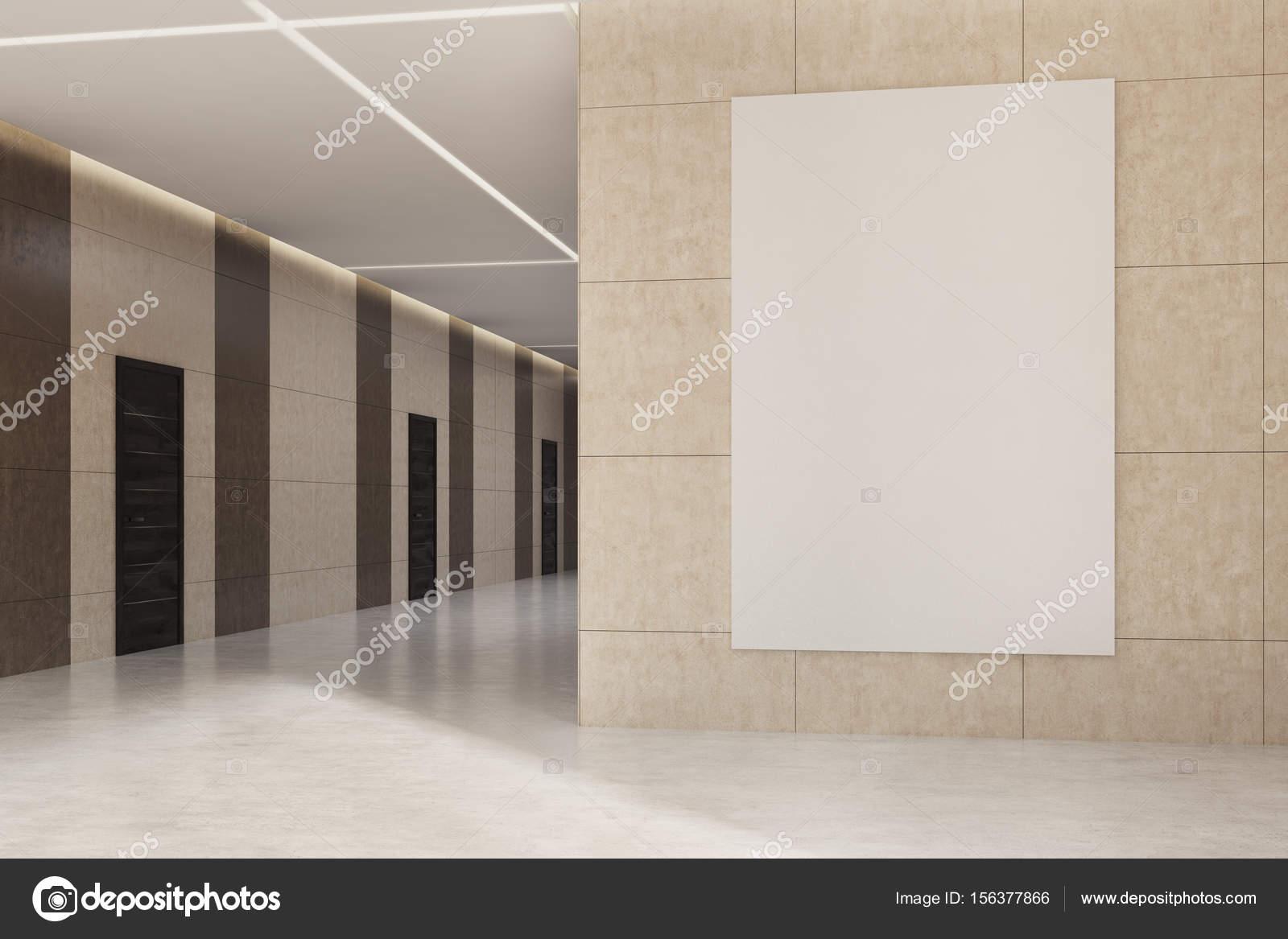 Ufficio Legno Hotel : Ufficio o hotel lobby con un poster sulla parete beige u2014 foto stock