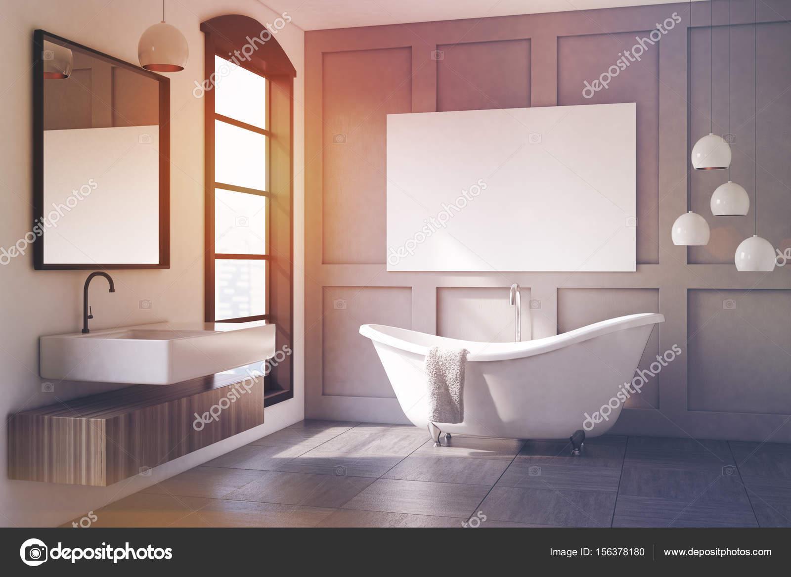 Graue Badezimmer Interieur, Lampe, getönt — Stockfoto ...