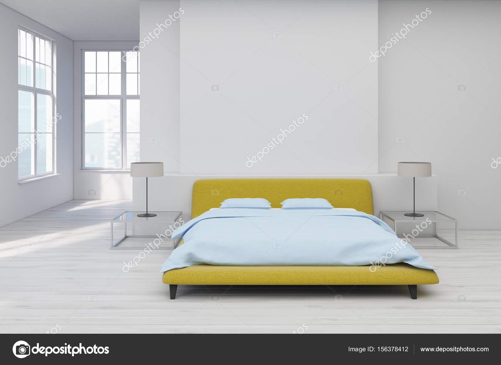 Plancher de la chambre jaune, blanc — Photographie denisismagilov ...
