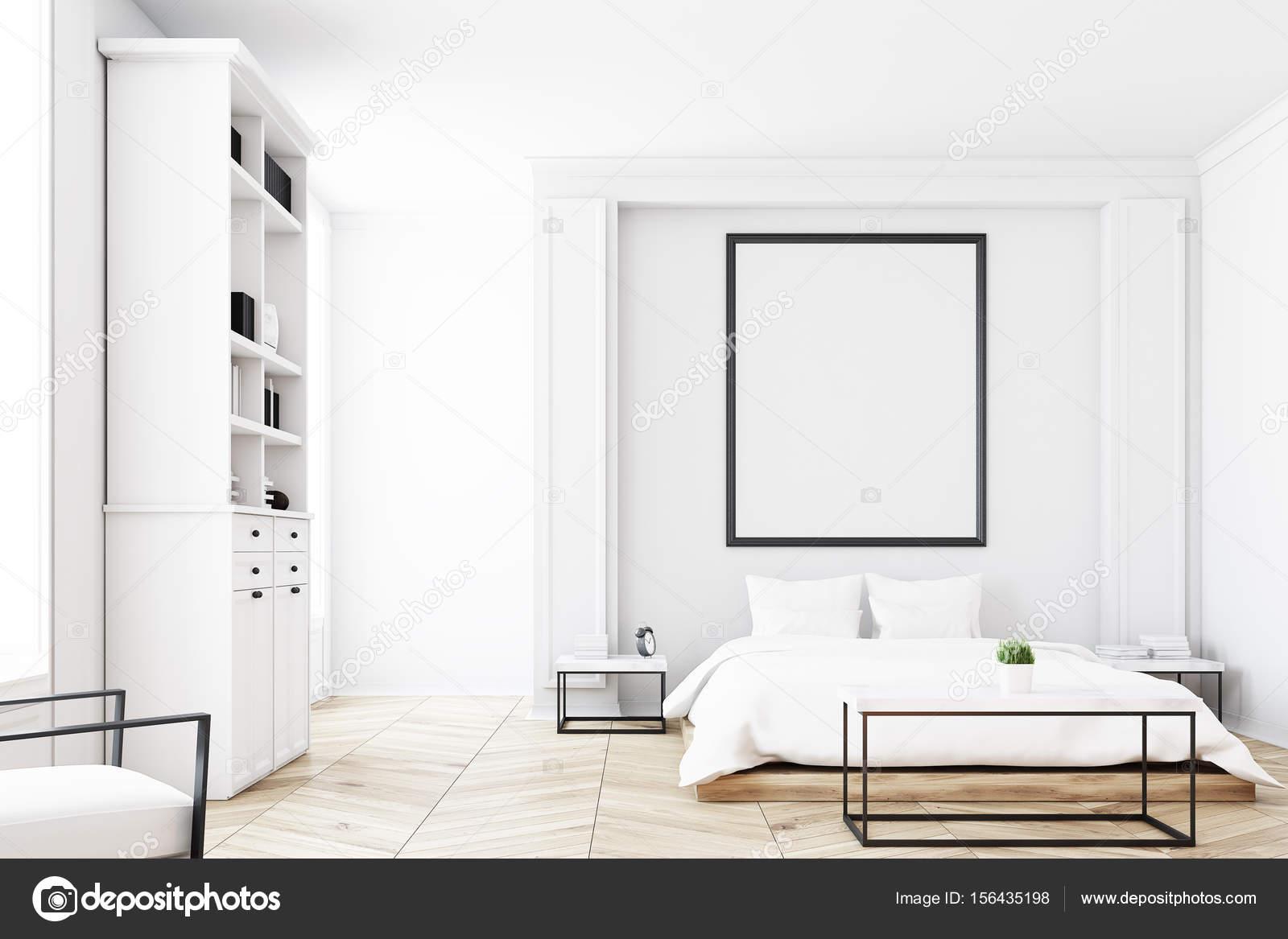 Libreria Letto Matrimoniale : Vista frontale di una camera da letto con libreria u2014 foto stock