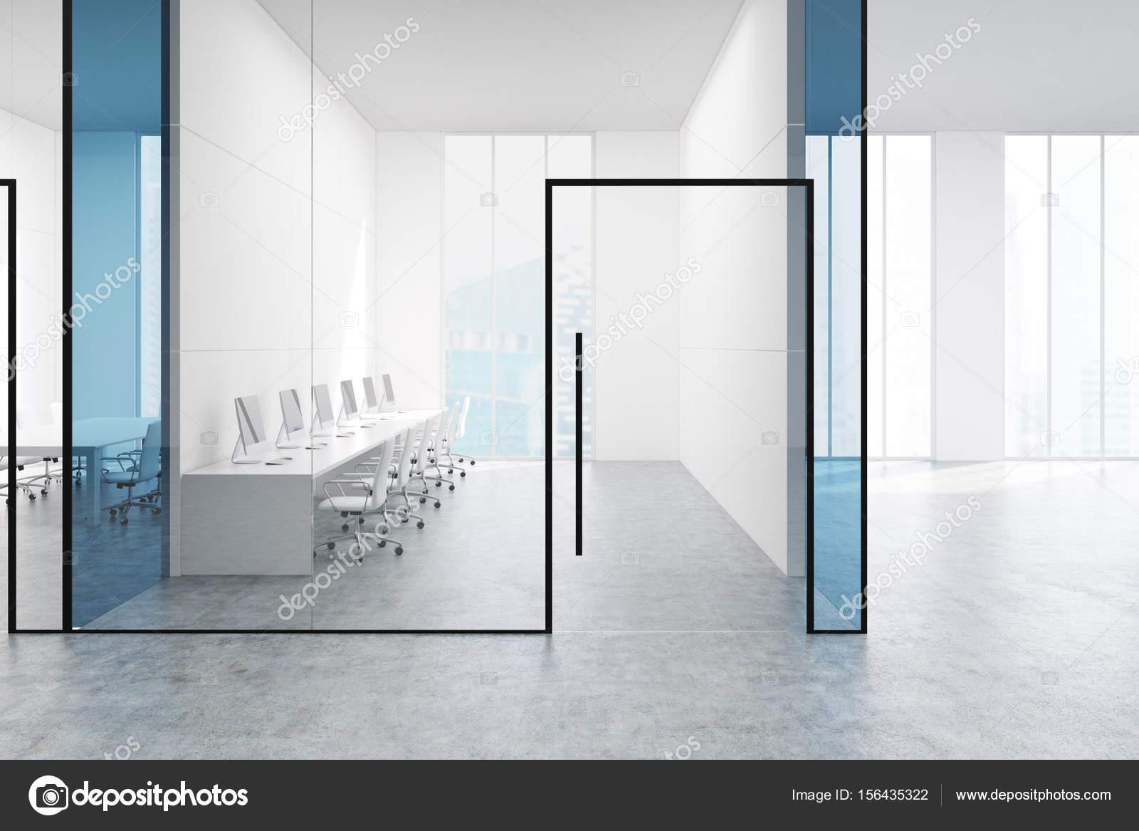 Salle de bureau transparent bleu u photographie denisismagilov