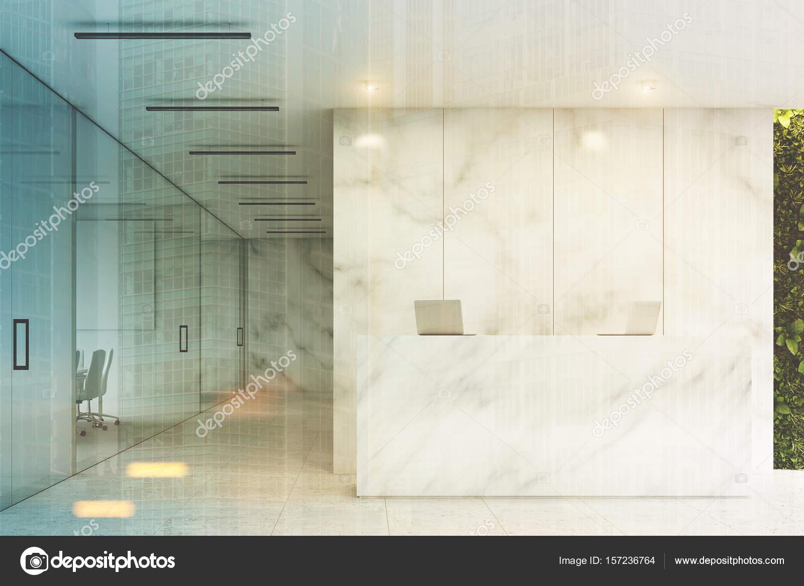 Blanc de réception bureau de marbre face aux tons u photographie