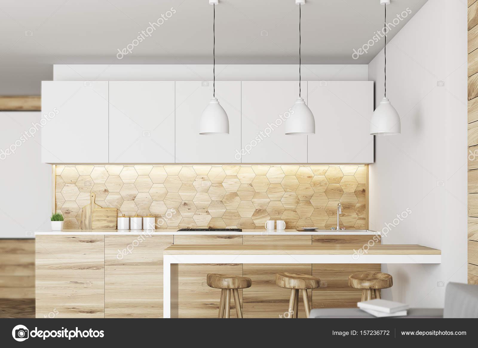 Moderne Küche mit einer Bar aus Holz — Stockfoto © denisismagilov ...