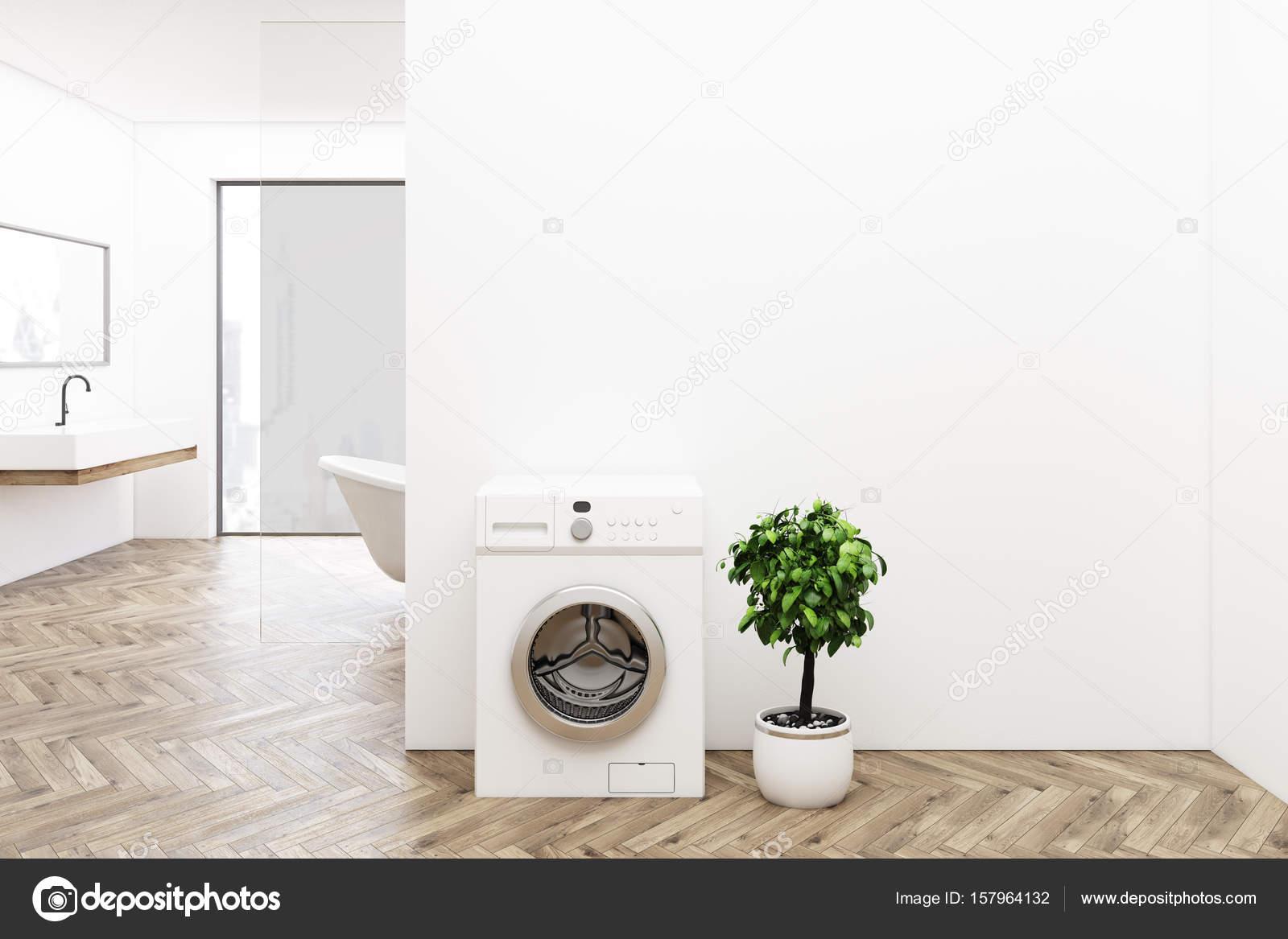 Holzboden Badezimmer, Waschmaschine — Stockfoto ...