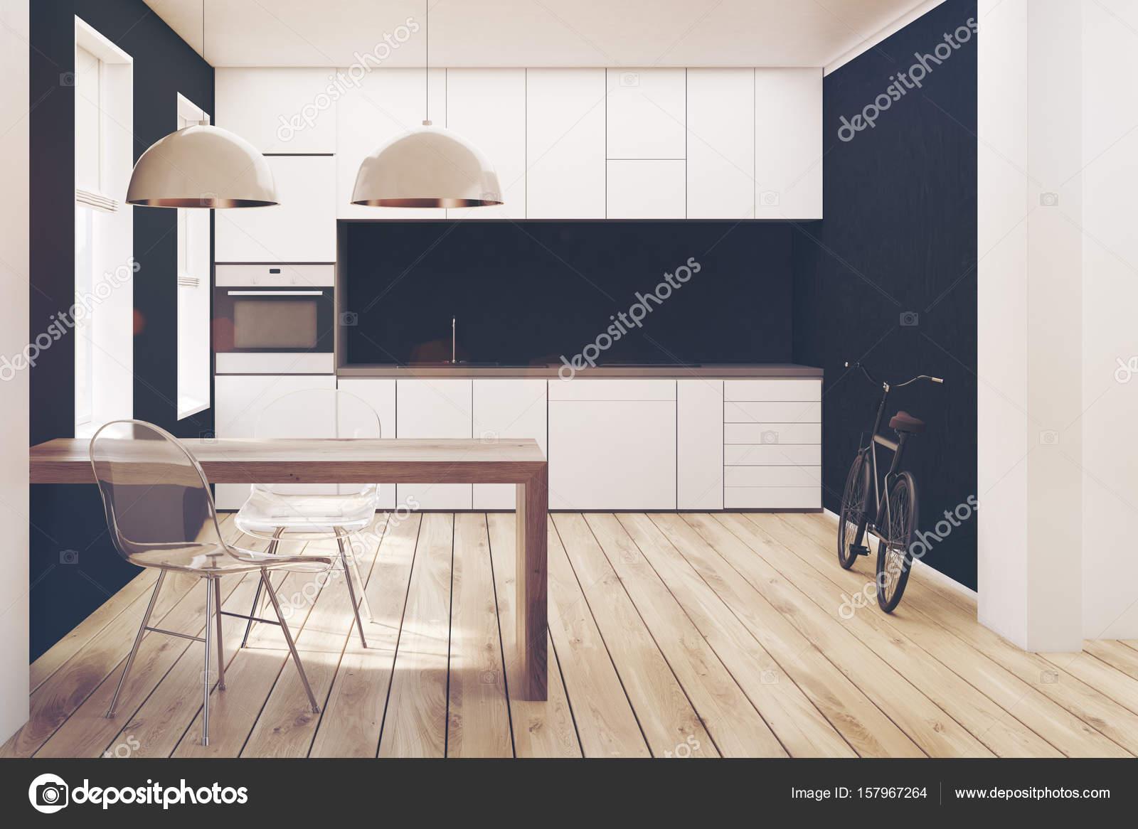 Cucina bianca e nera, pavimento in legno dai toni — Foto Stock ...