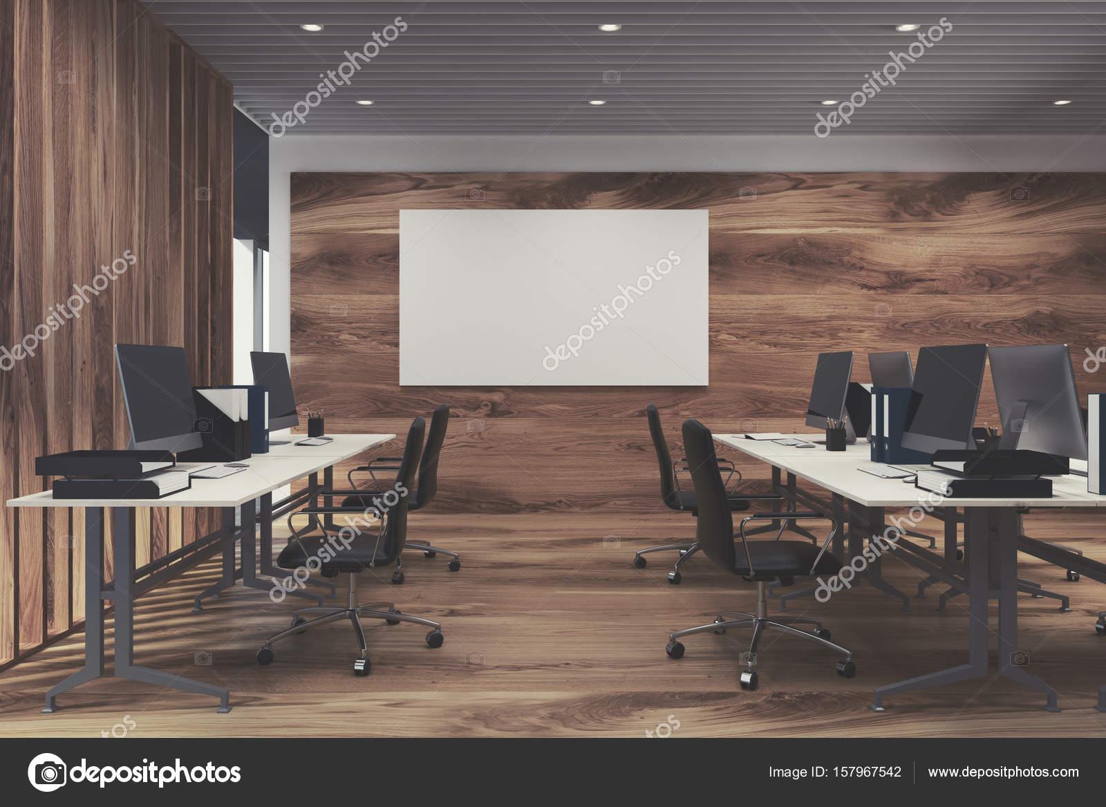 Interno di ufficio di lusso con tavoli per computer bianco - Finestre panoramiche ...
