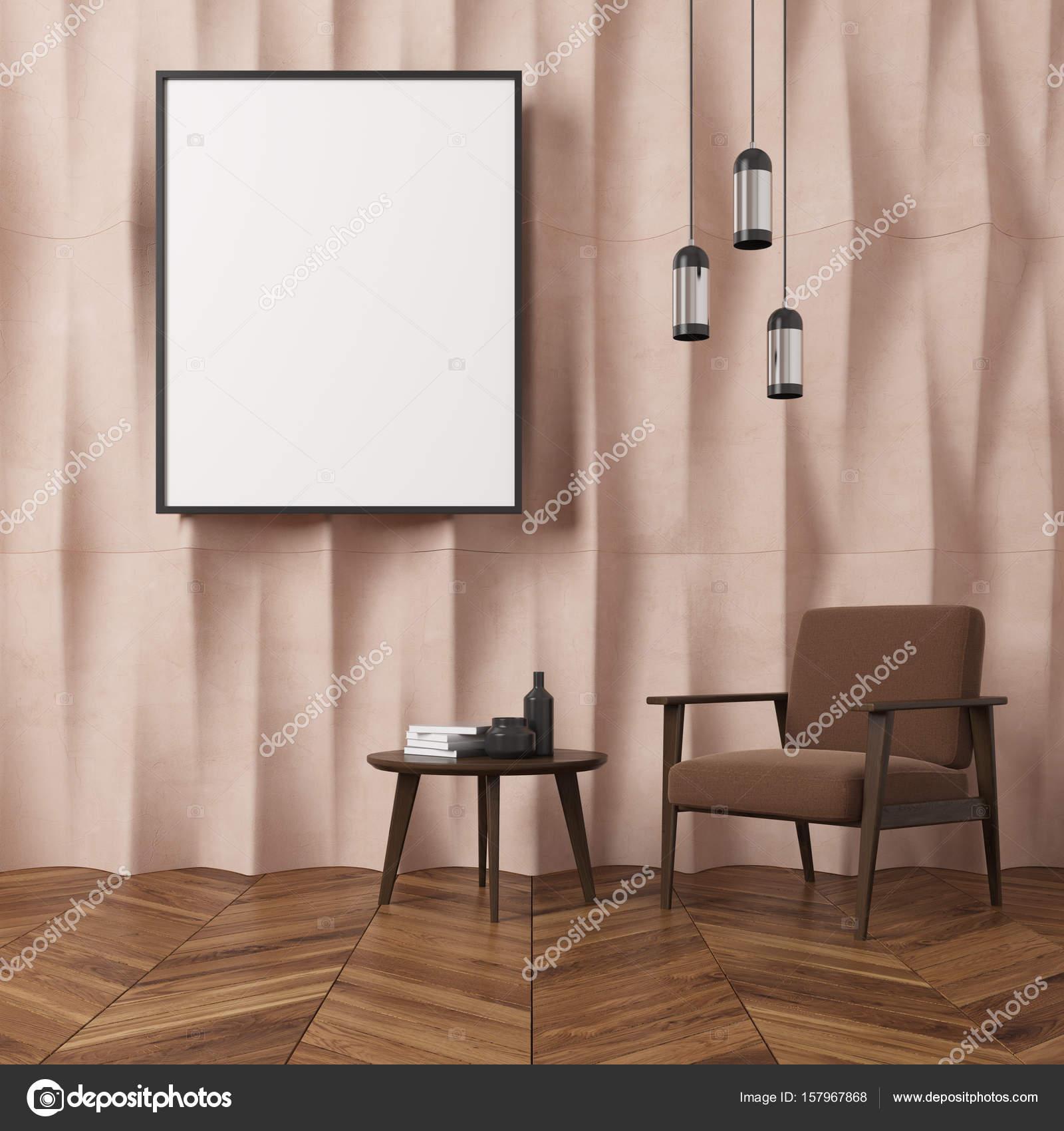 Fauteuil de salon, brun beige mur texturé — Photographie ...