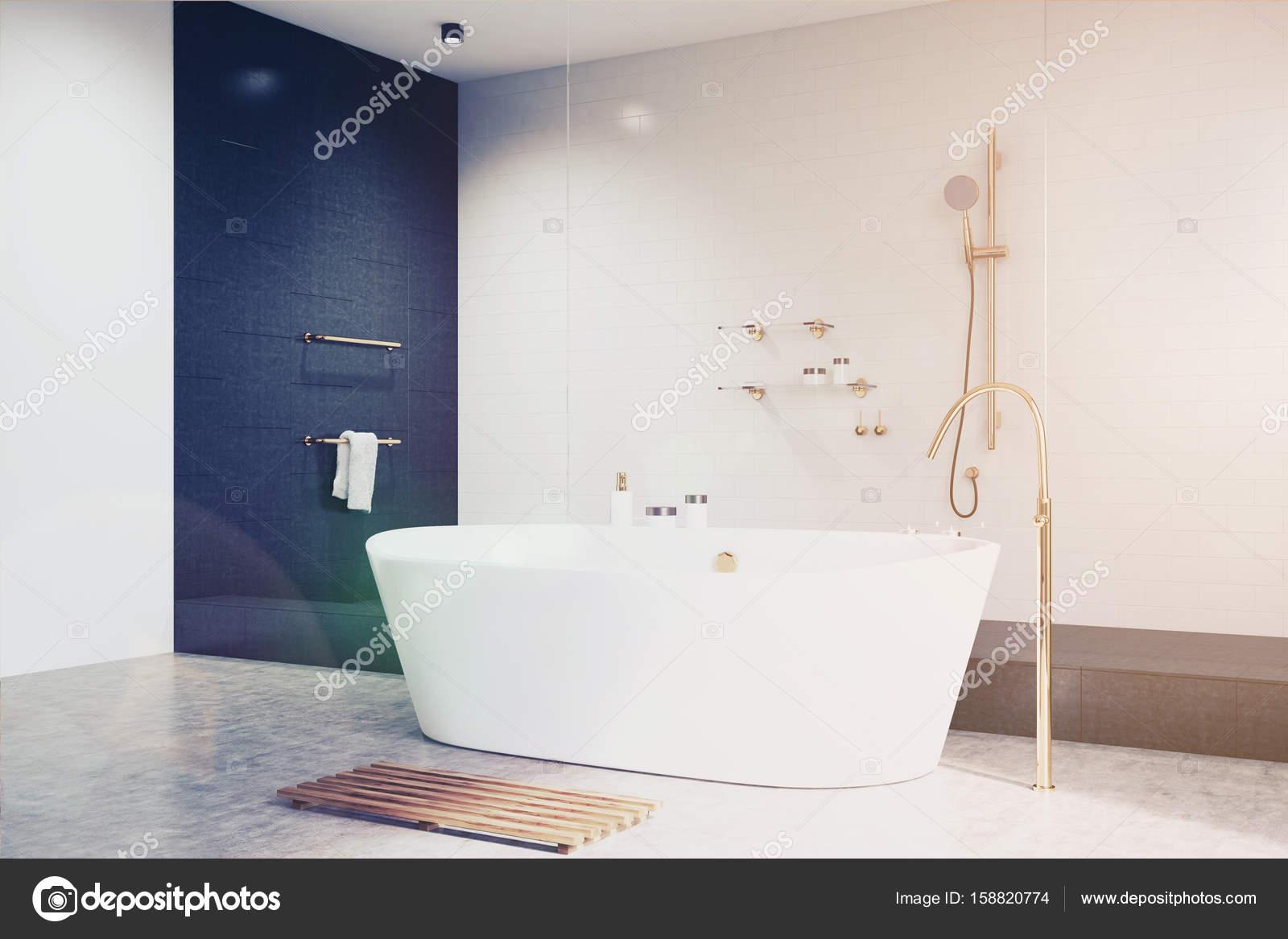 Piastrelle del bagno bianco con il nero lato tonico u foto stock