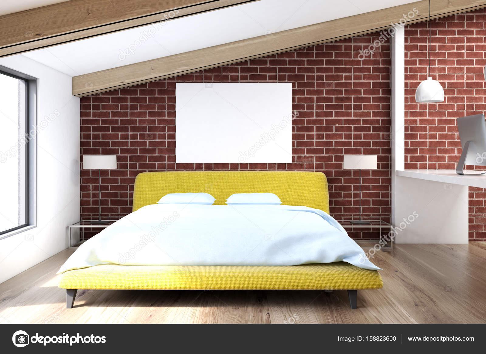 Slaapkamer Houten Vloer : Baksteen zolder slaapkamer houten vloer u2014 stockfoto