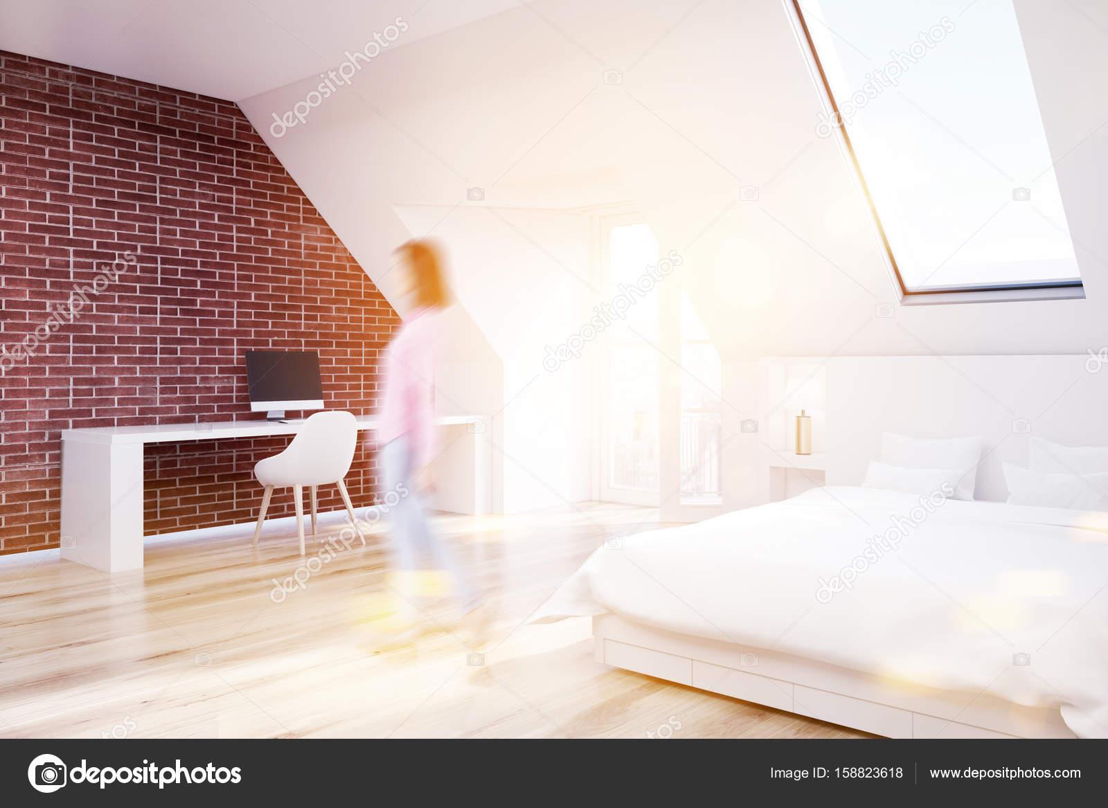 Chambre grenier de brique plancher de bois bureau à domicile