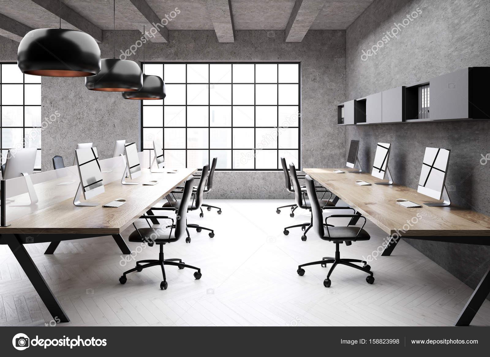 Bureau moderne espace ouvert sur un côté de loft u photographie