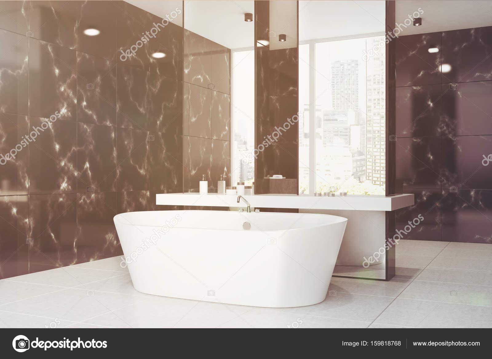 Bagni In Marmo Nero : Nero bagno in marmo lavandino vasca lato tonico u foto stock