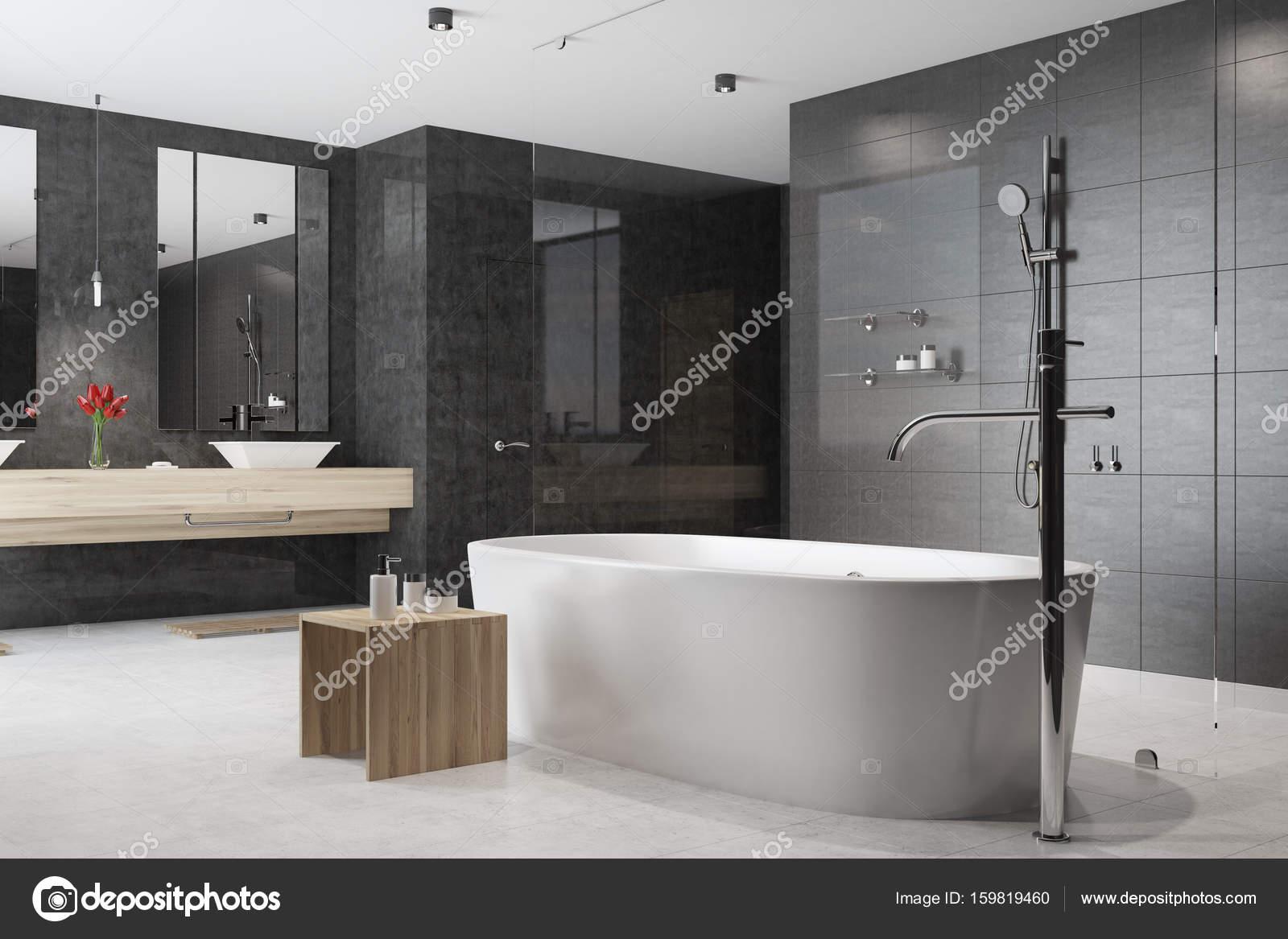Schwarz Weisse Badezimmer Badewanne Ecke Stockfoto