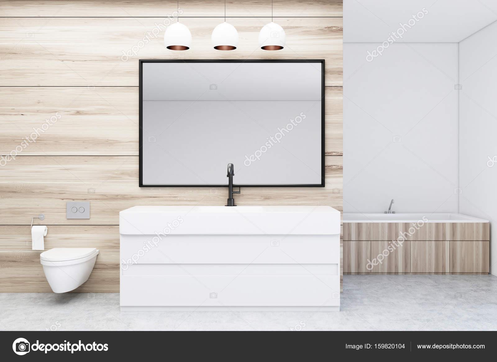 Bagno Con Wc E Lavandino Specchio Foto Stock C Denisismagilov