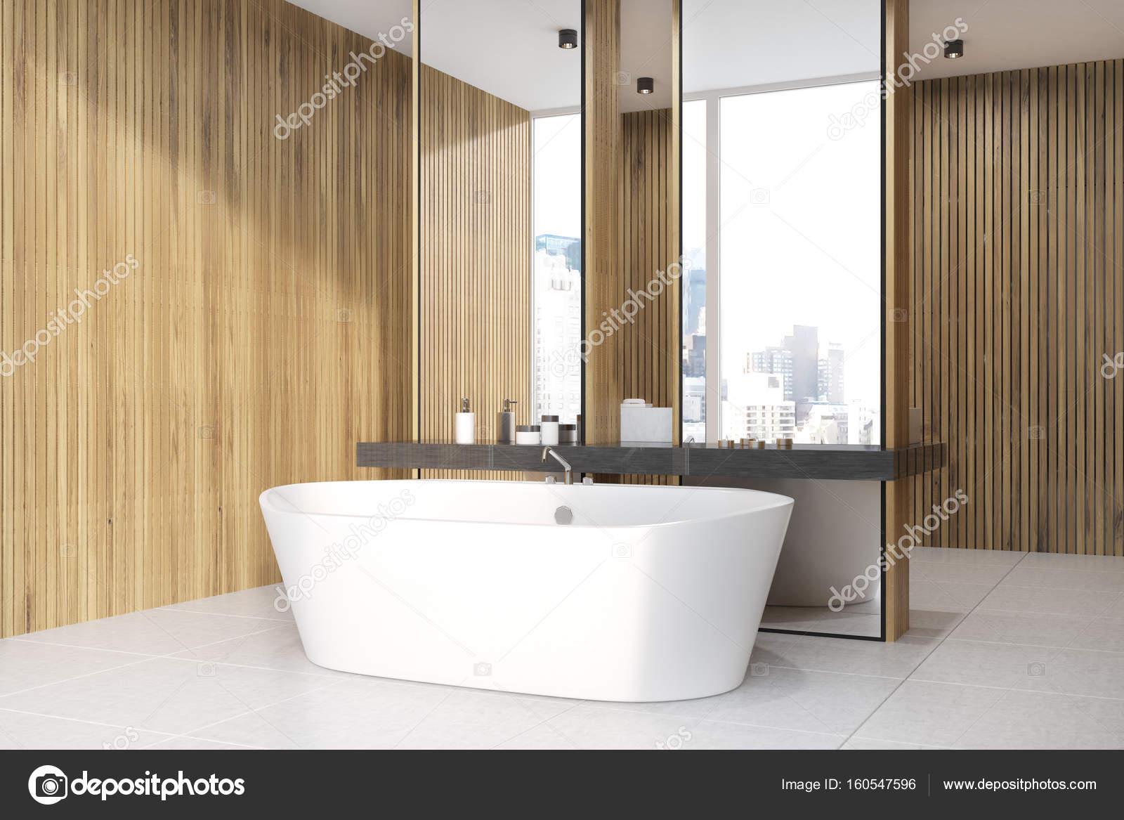 Houten badkamer, bad, wastafel en kant — Stockfoto © denisismagilov ...