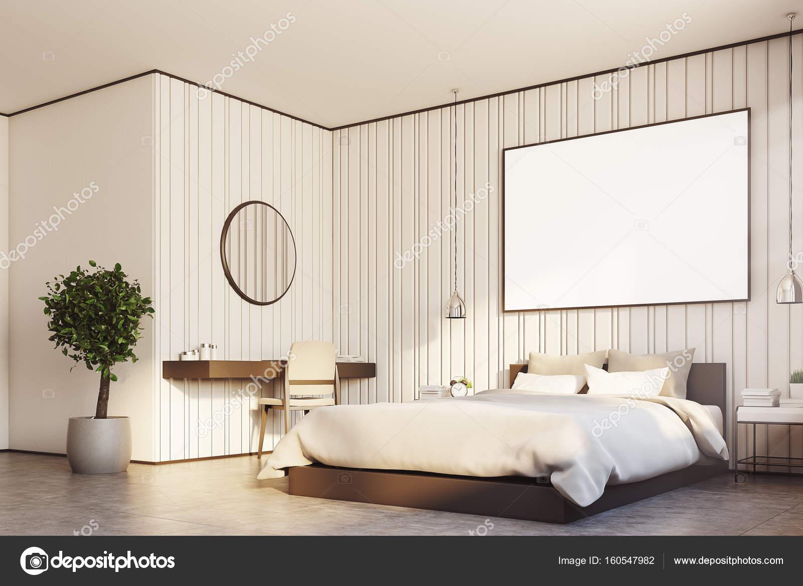 Beige slaapkamer met een grote poster dicht in de kant — Stockfoto ...