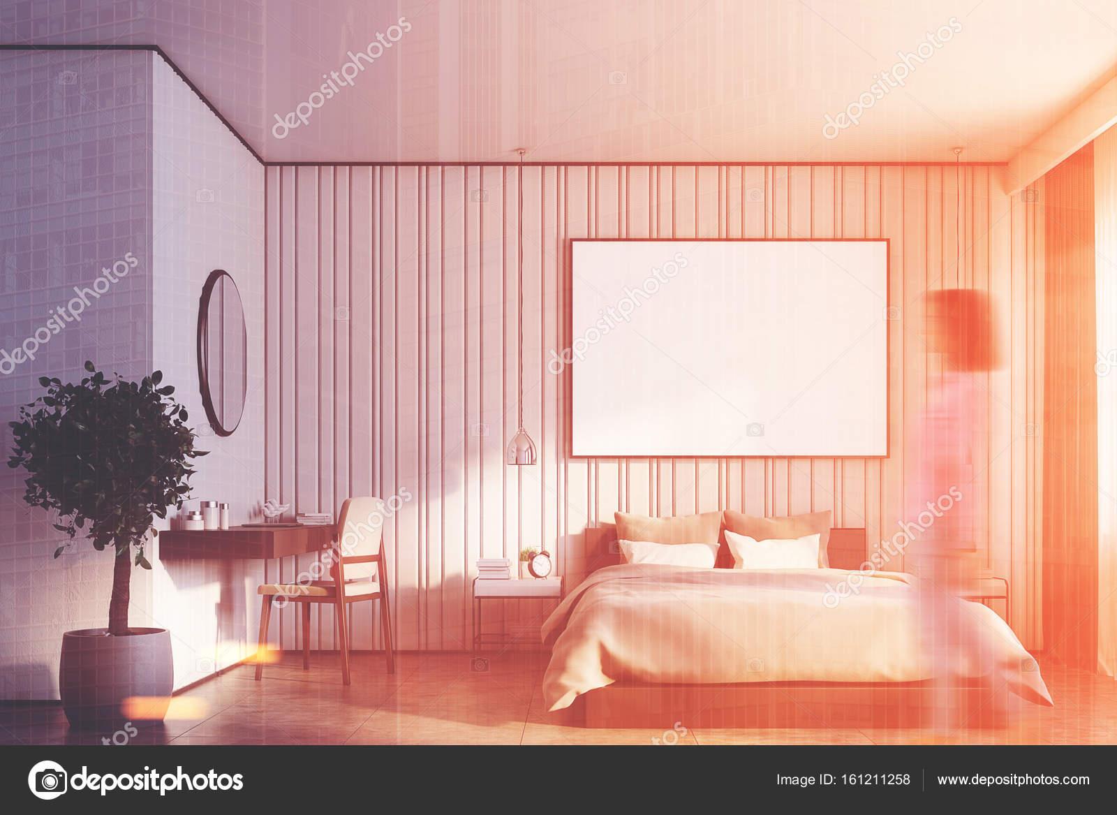Grote Posters Slaapkamer : Beige slaapkamer met een grote poster meisje u stockfoto